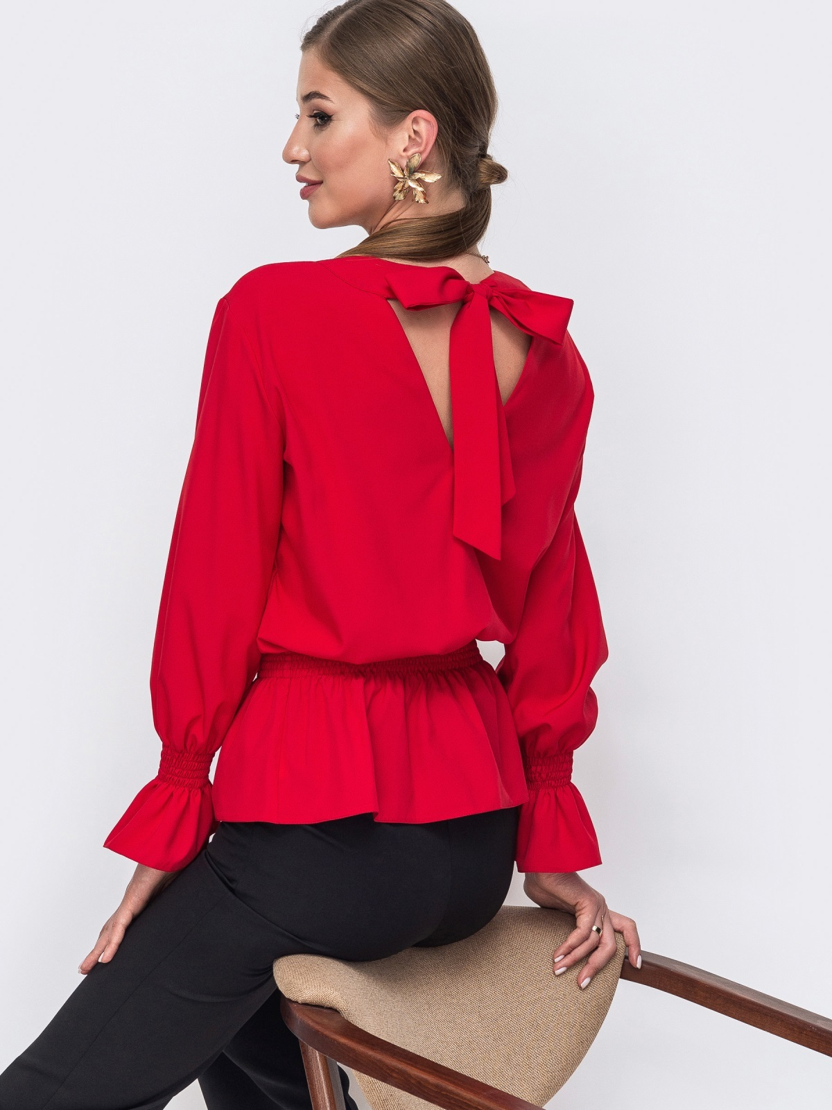 Красная блузка с вырезом по спинке и бантом 49389, фото 1