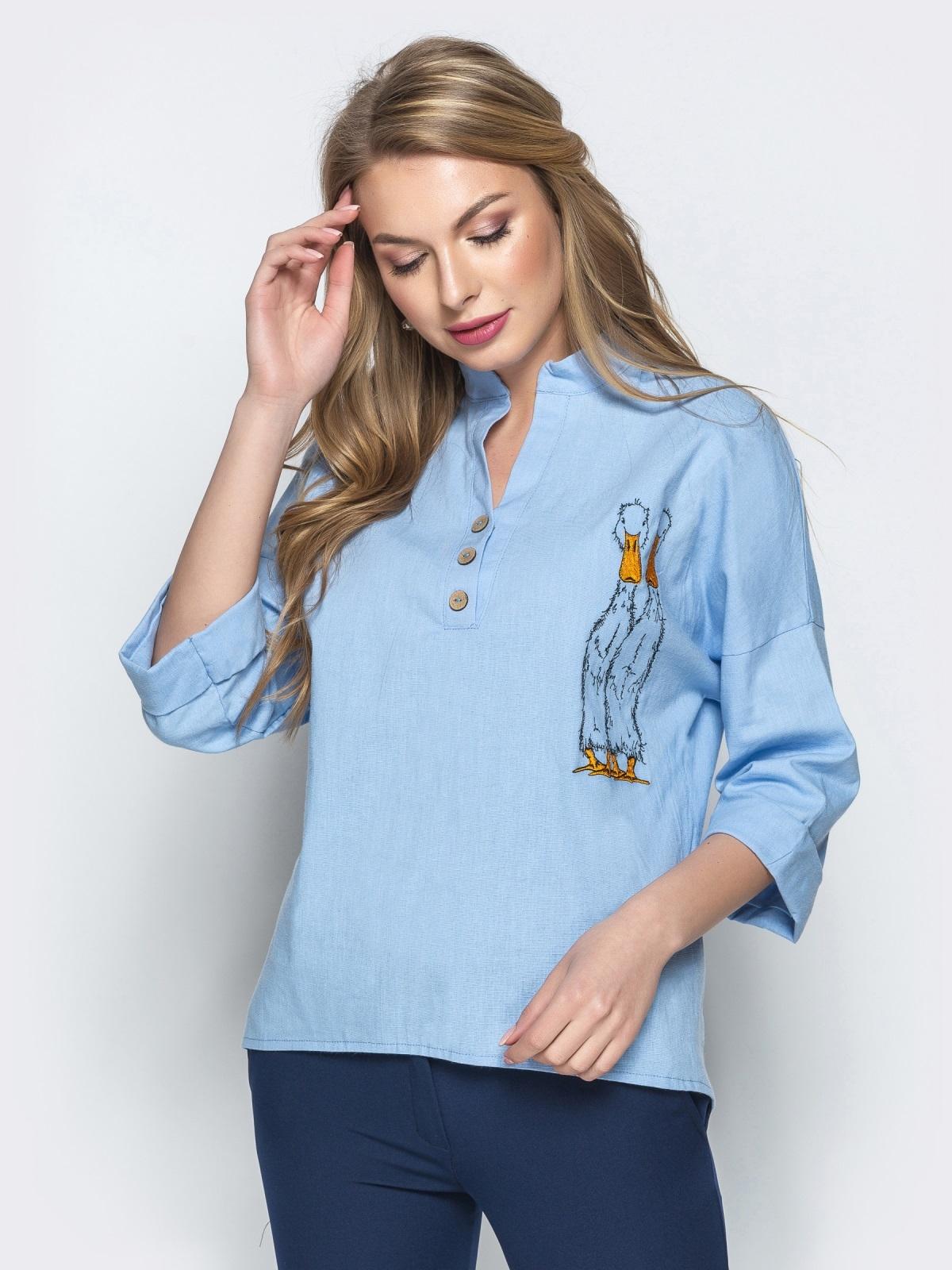 """Рубашка прямого кроя с вышивкой """"гуси"""" голубая - 21936, фото 1 – интернет-магазин Dressa"""