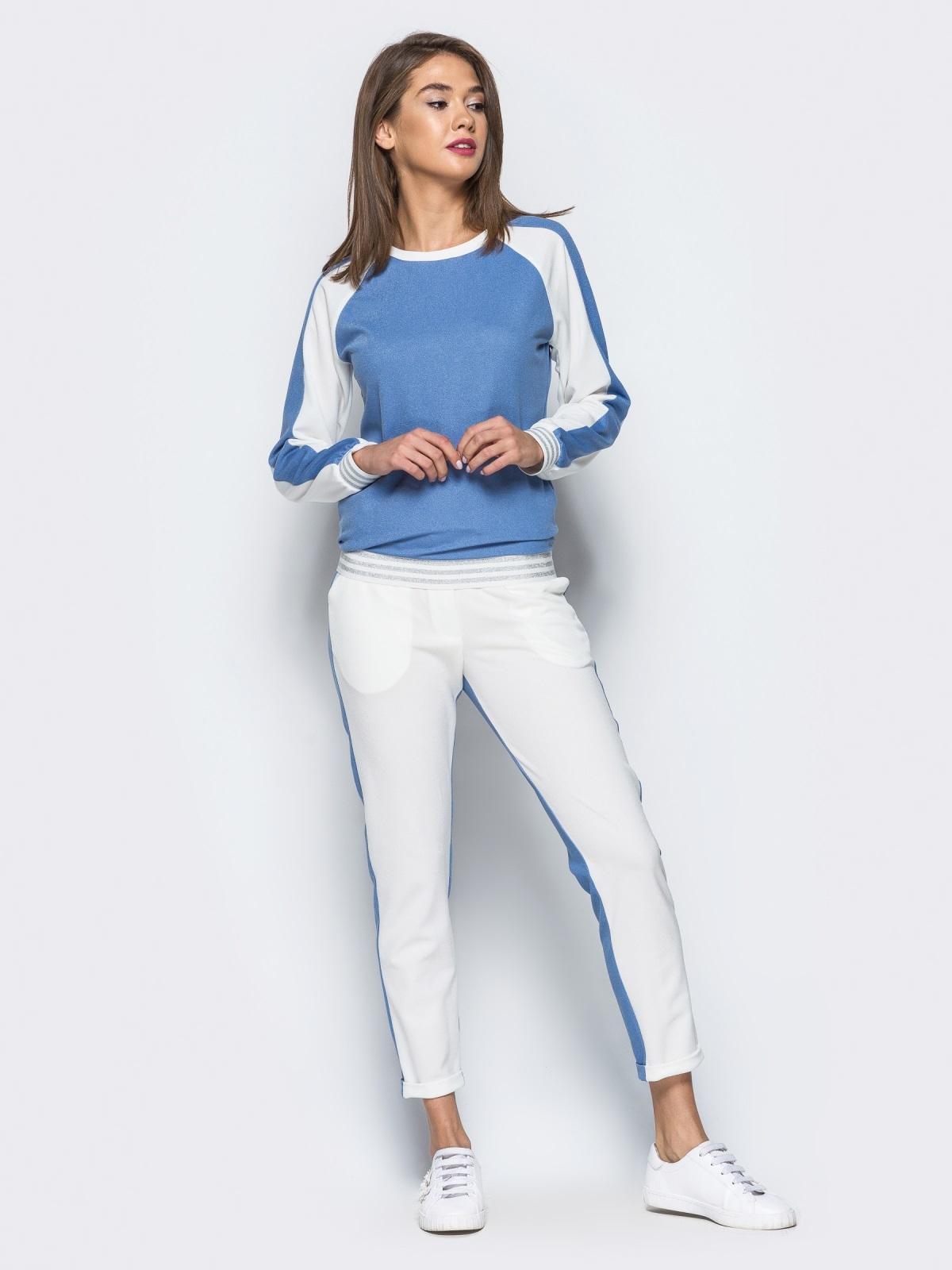 Белый комплект с голубой полочкой на кофте - 16902, фото 1 – интернет-магазин Dressa