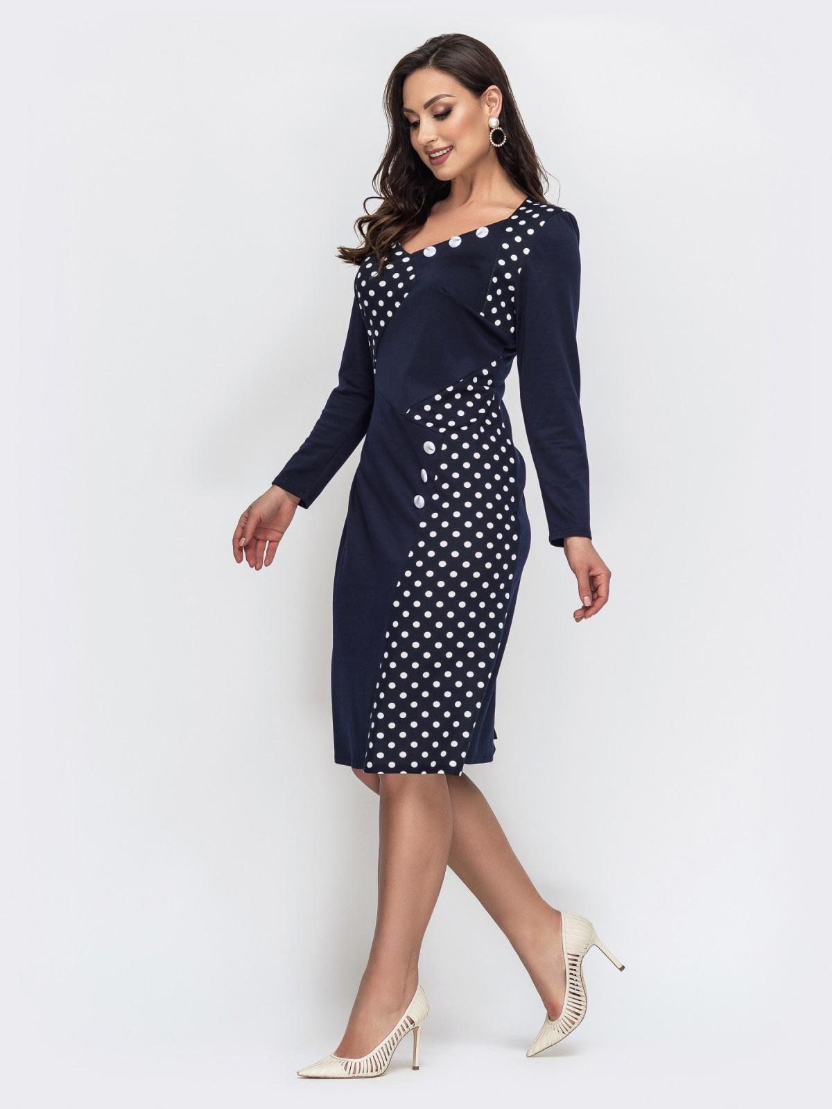 Приталенное платье батал тёмно-синего цвета в горох 44469, фото 1