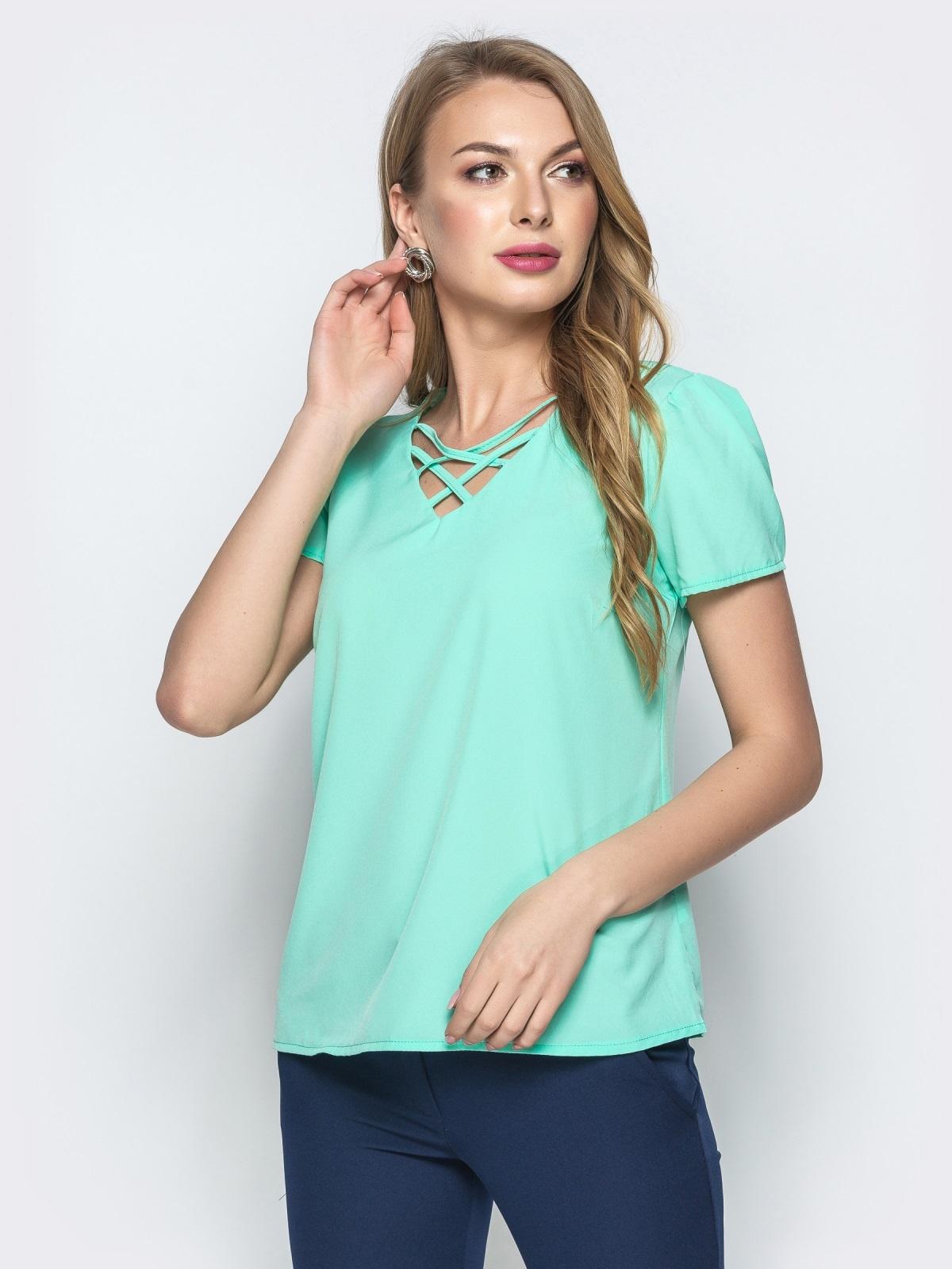 Монохромная блузка с плетением по горловине мятная - 21560, фото 1 – интернет-магазин Dressa