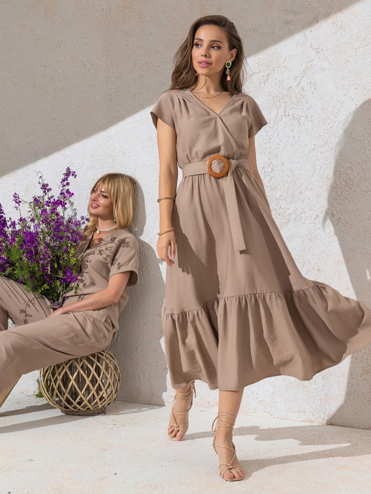 Расклешенное платье бежевого цвета с воланом по низу - 49369, фото 1 – интернет-магазин Dressa
