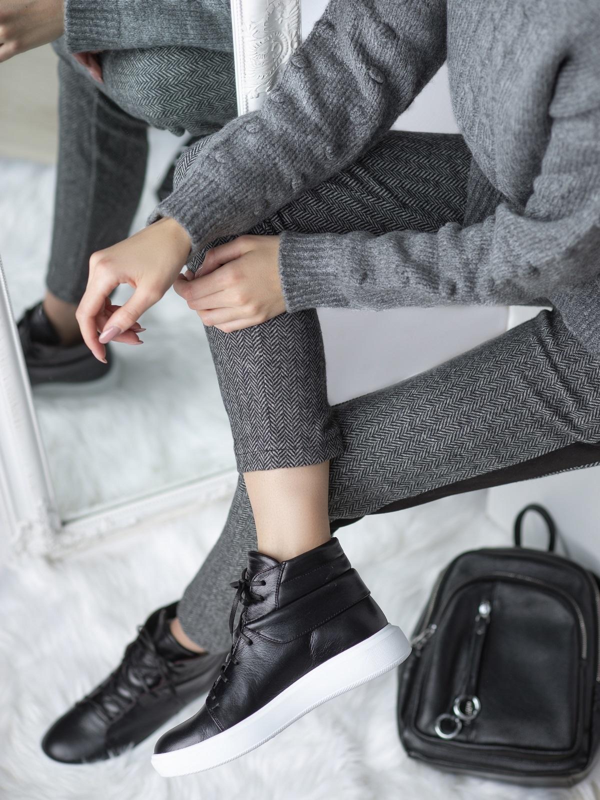 Зимние кеды из натуральной кожи чёрного цвета - 41662, фото 1 – интернет-магазин Dressa