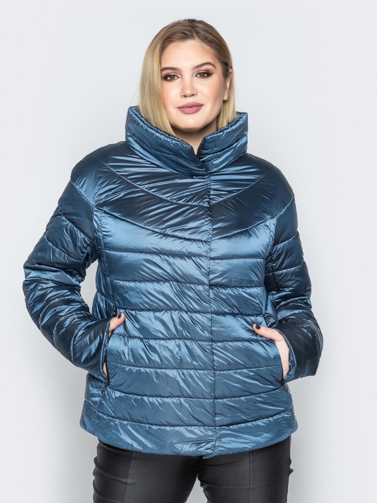 Синяя куртка с высоким воротником и полукруглой кокеткой - 20317, фото 1 – интернет-магазин Dressa