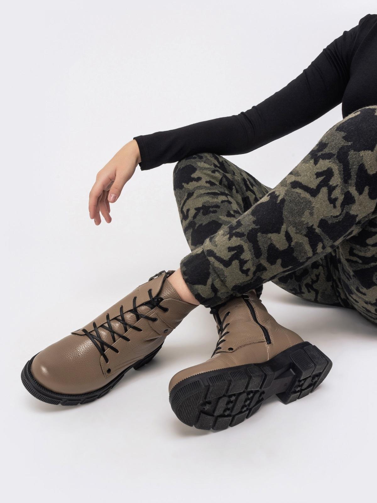Зимние ботинки из кожи бежевого цвета на молнии - 41665, фото 1 – интернет-магазин Dressa