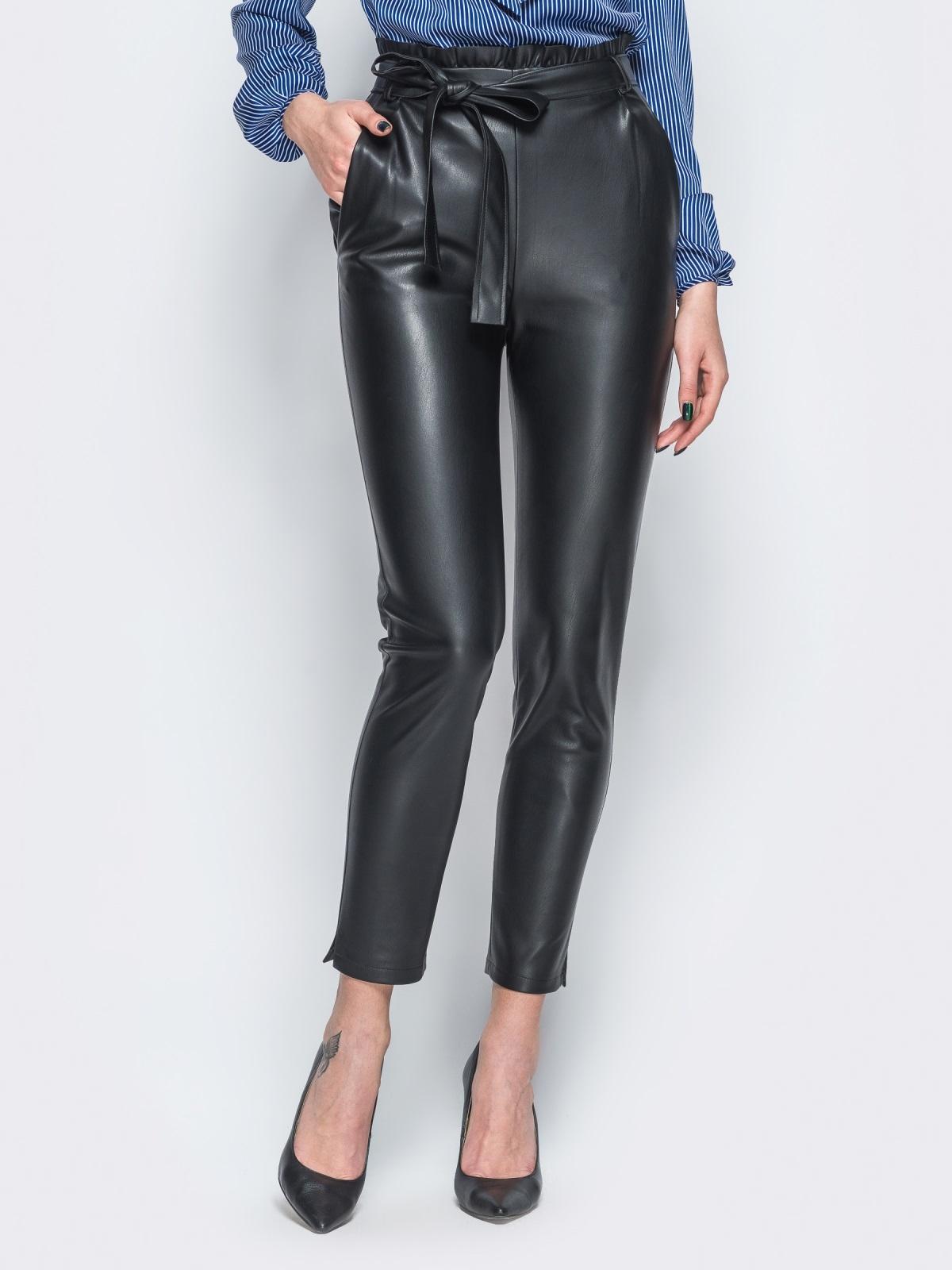 Укороченные брюки из эко-кожи с завышенной талией - 18078, фото 1 – интернет-магазин Dressa