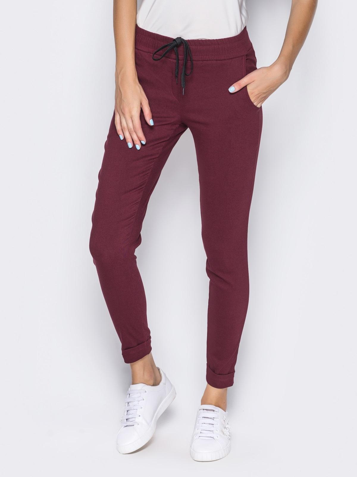 Брюки из стрейч-коттона с карманами в швах бордовые - 14407, фото 3 – интернет-магазин Dressa