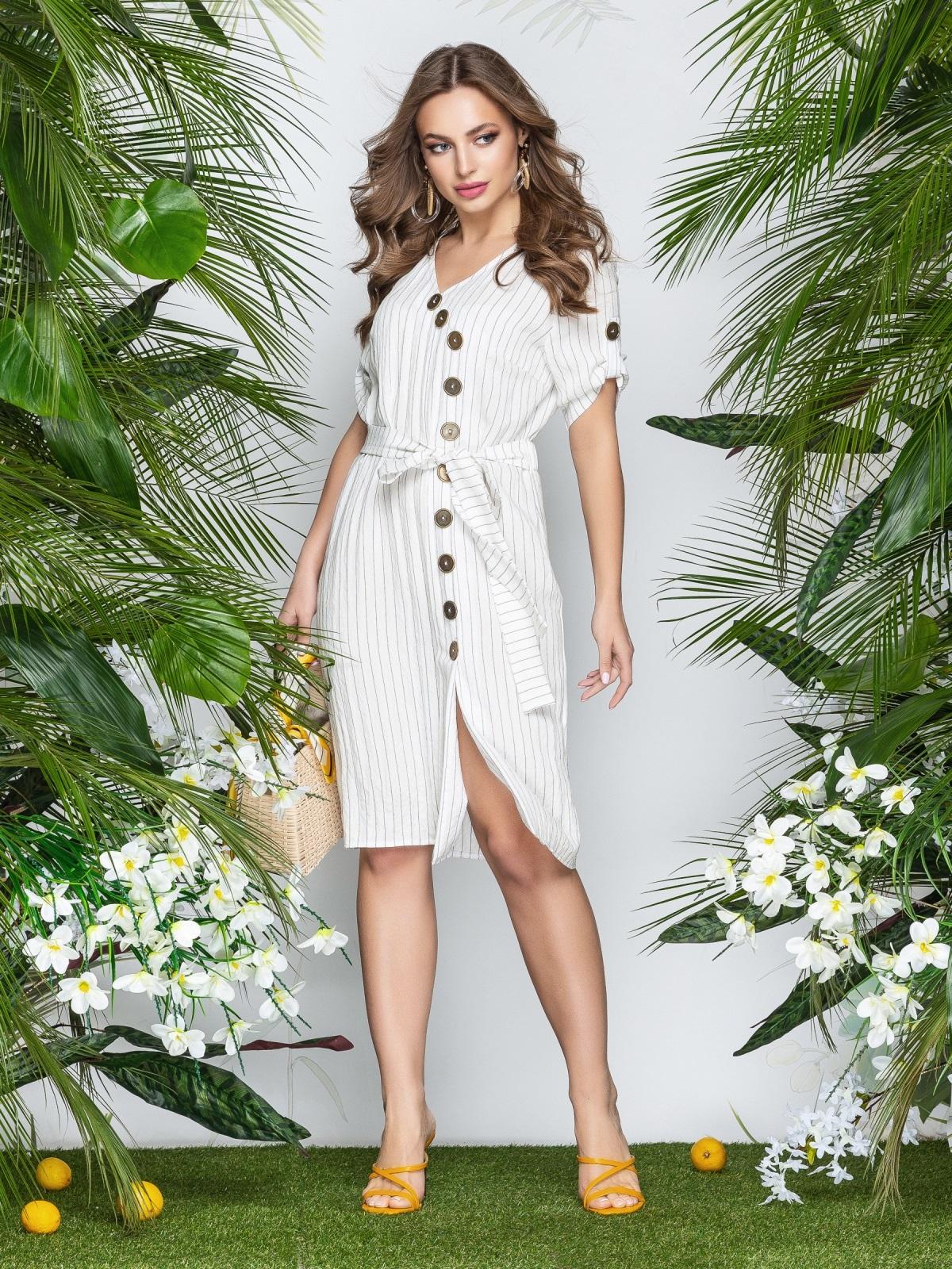 Приталенное платье-миди в узкую полоску с разрезом белое - 22006, фото 1 – интернет-магазин Dressa
