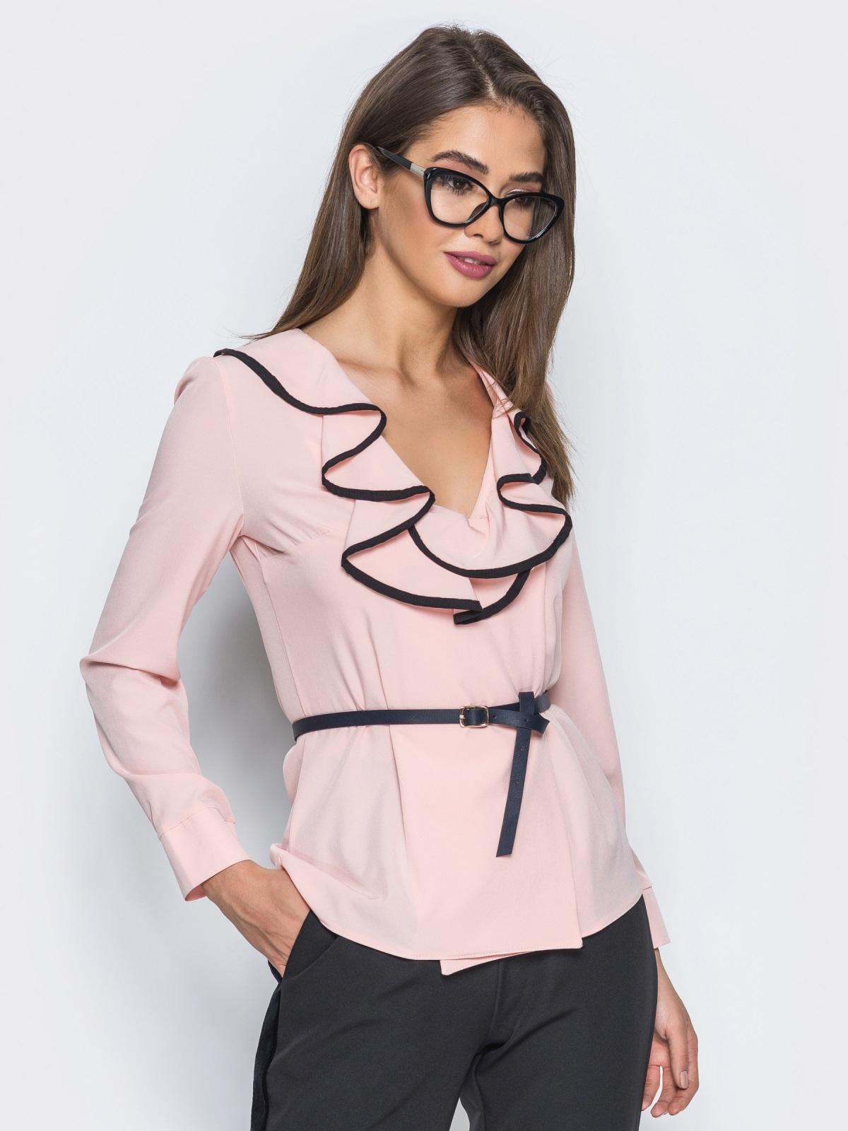 Блузка с контрастной отделкой по оборке на горловине пудровая - 13277, фото 1 – интернет-магазин Dressa