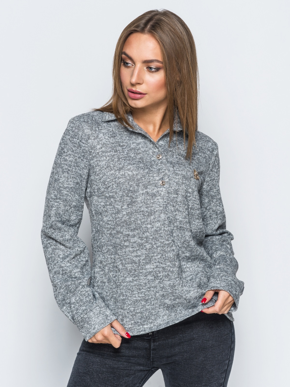 Рубашка серого цвета из ангоры с термонаклейкой на полочке - 17502, фото 1 – интернет-магазин Dressa