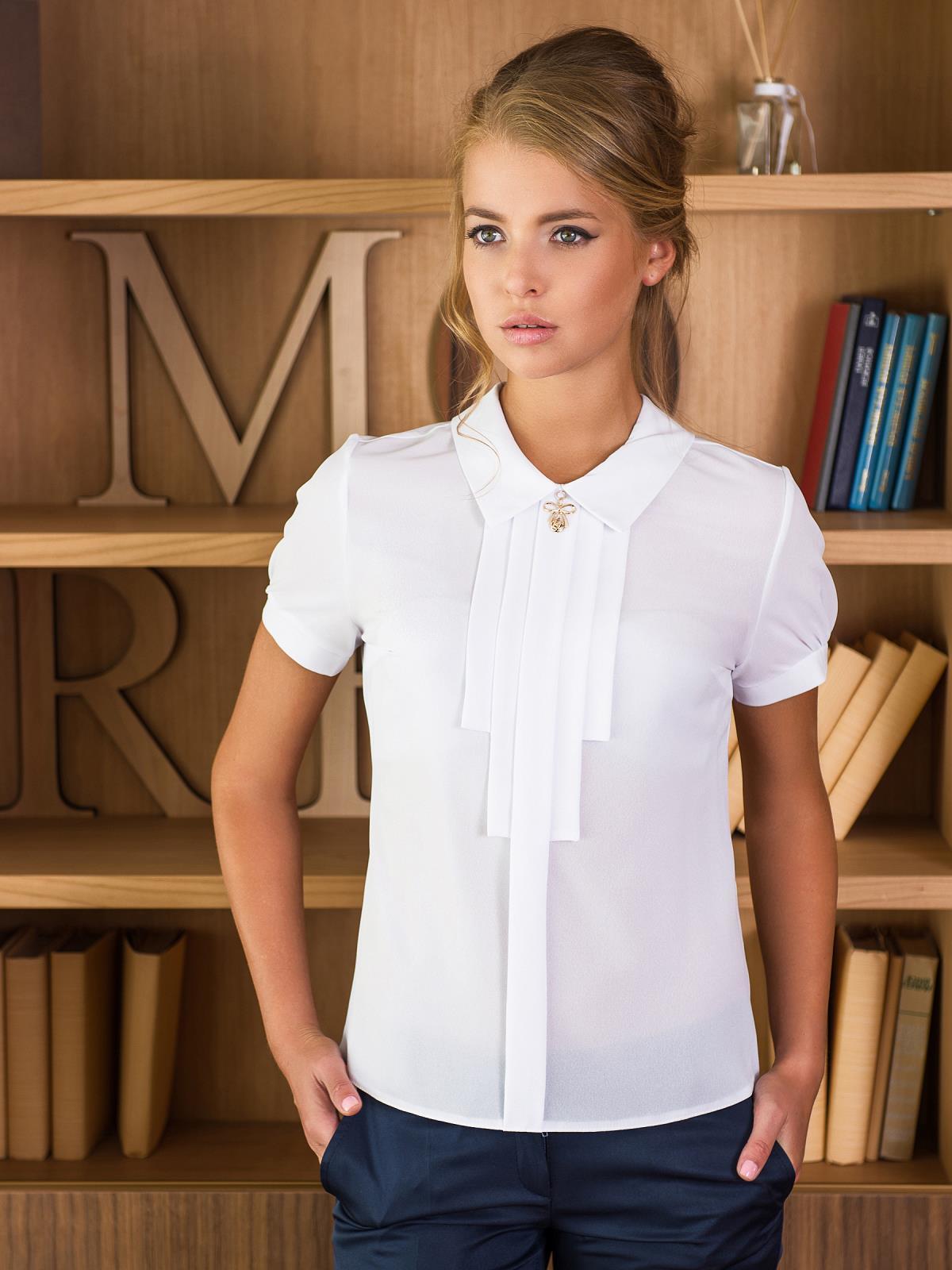 Блузка с украшением на горловине - 13900, фото 1 – интернет-магазин Dressa