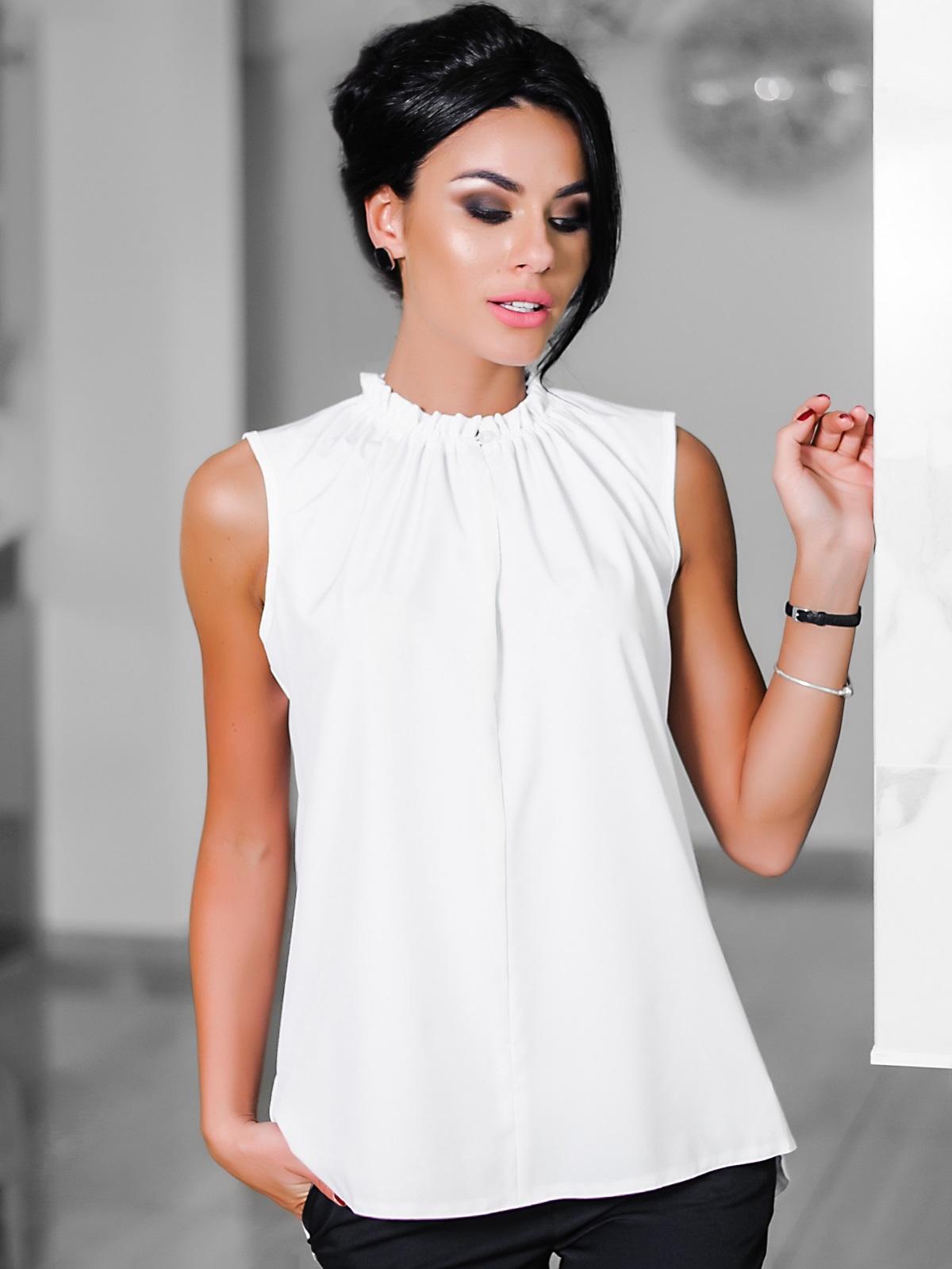 Белая блузка с присборенной горловиной  - 10243, фото 1 – интернет-магазин Dressa