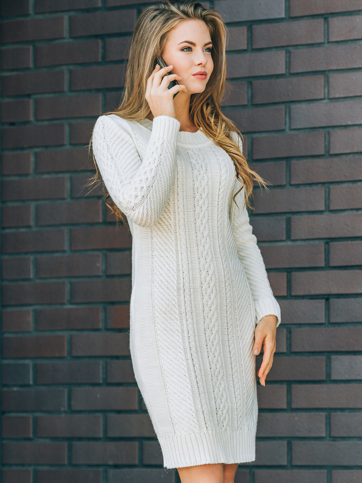 Белое вязаное платье с резинкой на манжетах и по низу - 13165, фото 1 – интернет-магазин Dressa