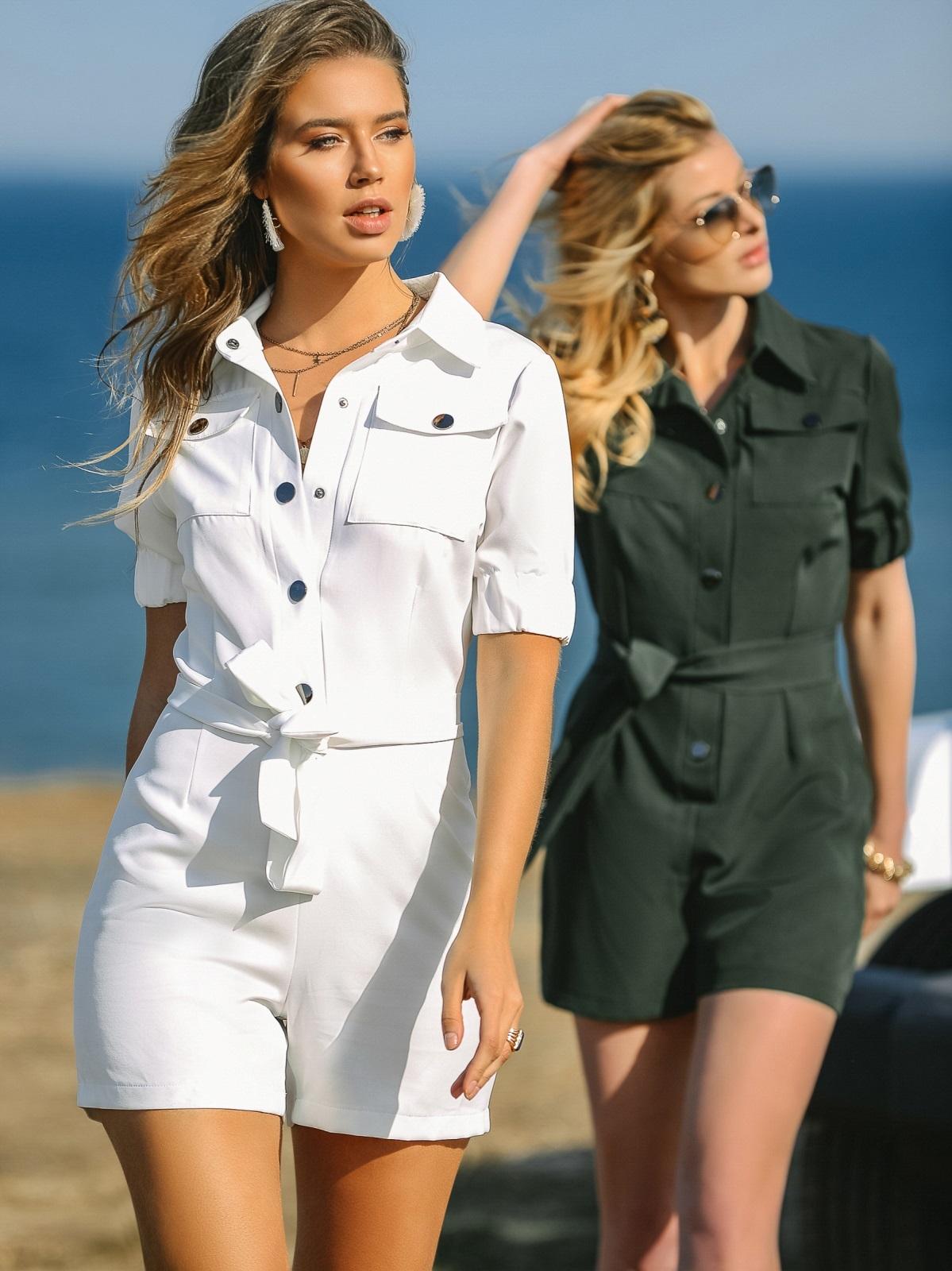 Комбинезон белого цвета с накладными карманами 48454, фото 1