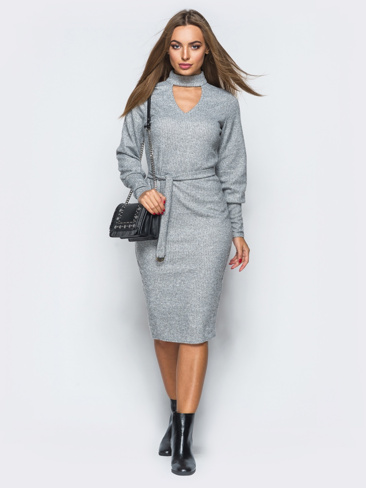 Платье серого цвета с чокером - 17358, фото 1 – интернет-магазин Dressa
