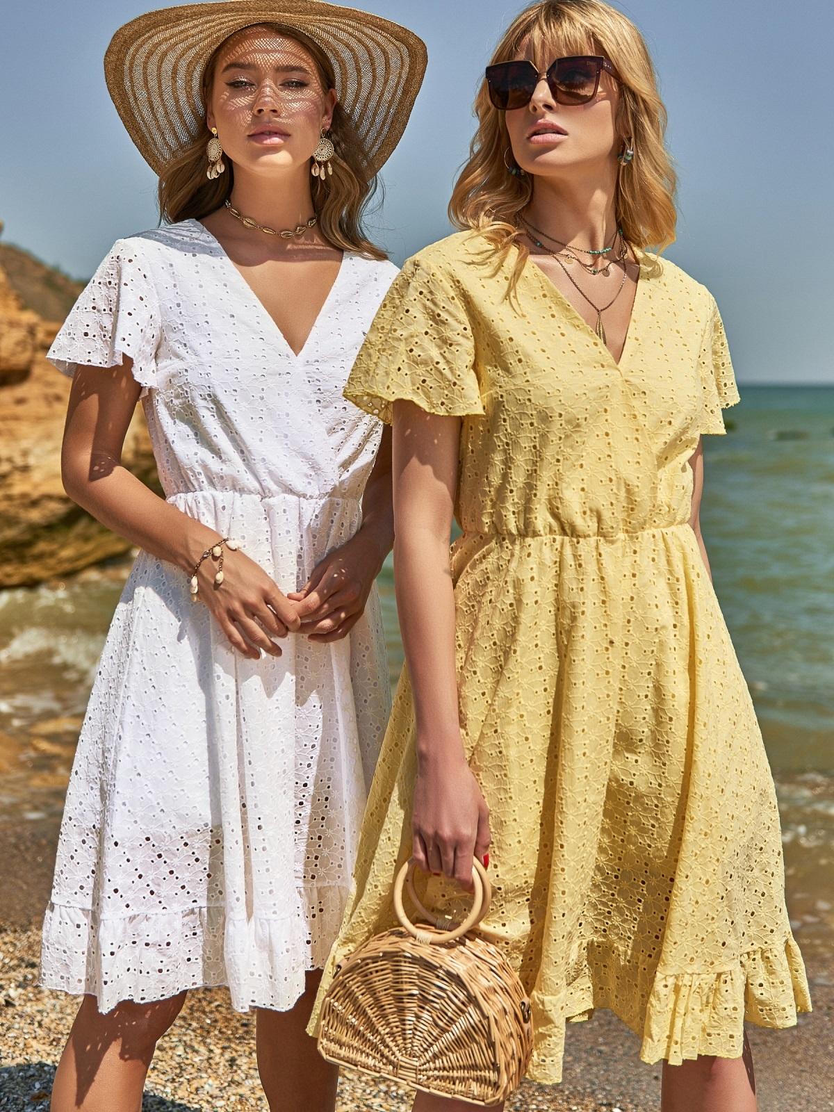 Желтое платье из прошвы с резинкой по талии - 48228, фото 1 – интернет-магазин Dressa