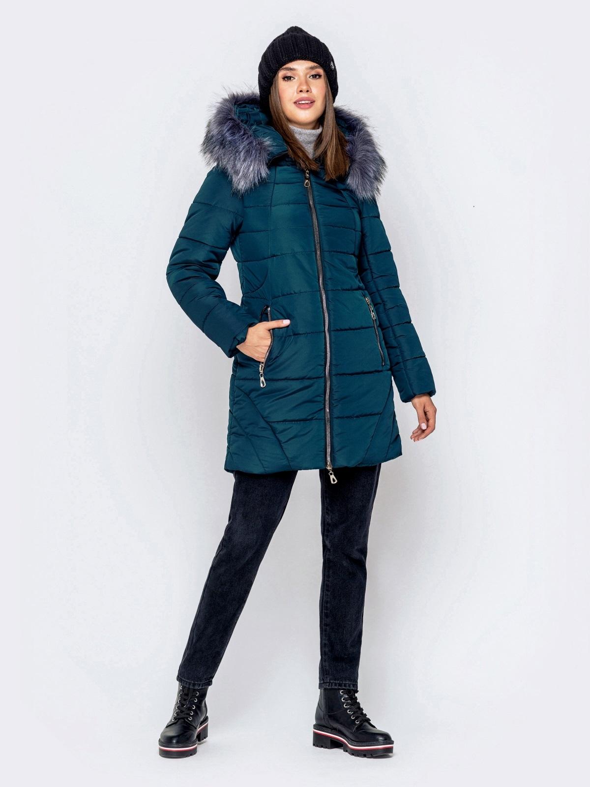 Зимняя куртка зеленого цвета с капюшоном - 40907, фото 1 – интернет-магазин Dressa