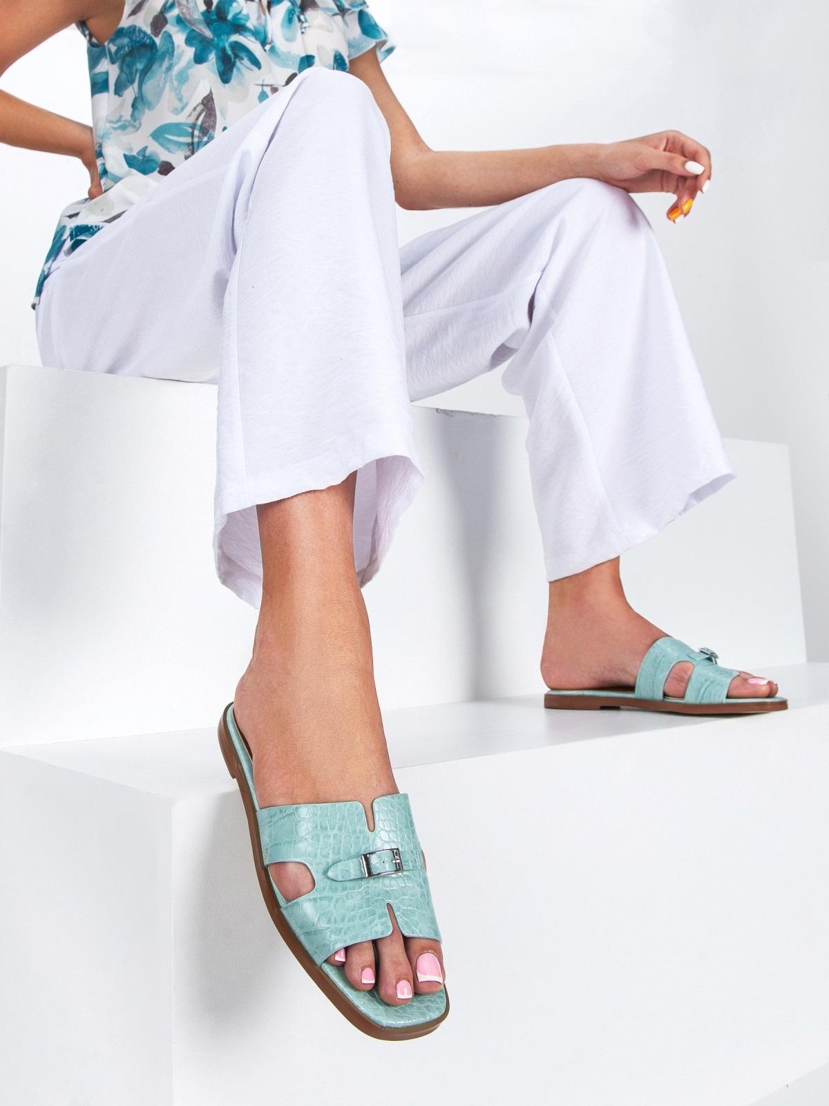 Шлепанцы голубого цвета на плоской подошве  - 49756, фото 1 – интернет-магазин Dressa