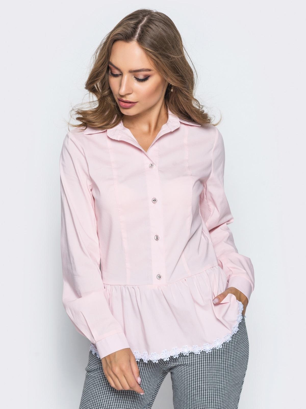 Блузка с воланом по низу и функциональными пуговицами розовая - 14172, фото 1 – интернет-магазин Dressa