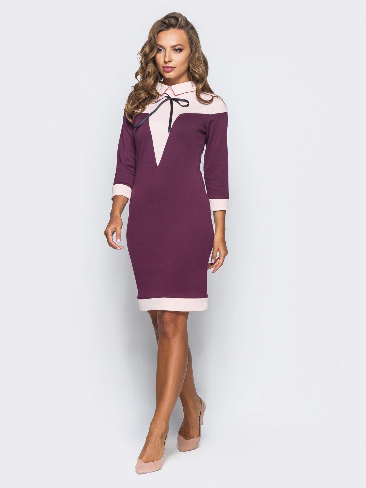 Платье-футляр с контрастной кокеткой и атласным бантом бордовое - 15634, фото 1 – интернет-магазин Dressa
