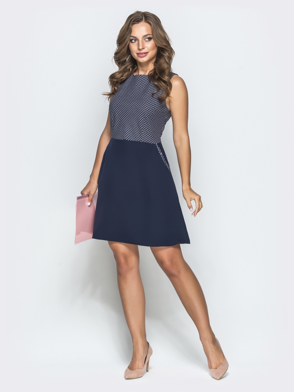 Тёмно-синее платье в белую клетку с юбкой-трапецией 39789, фото 1