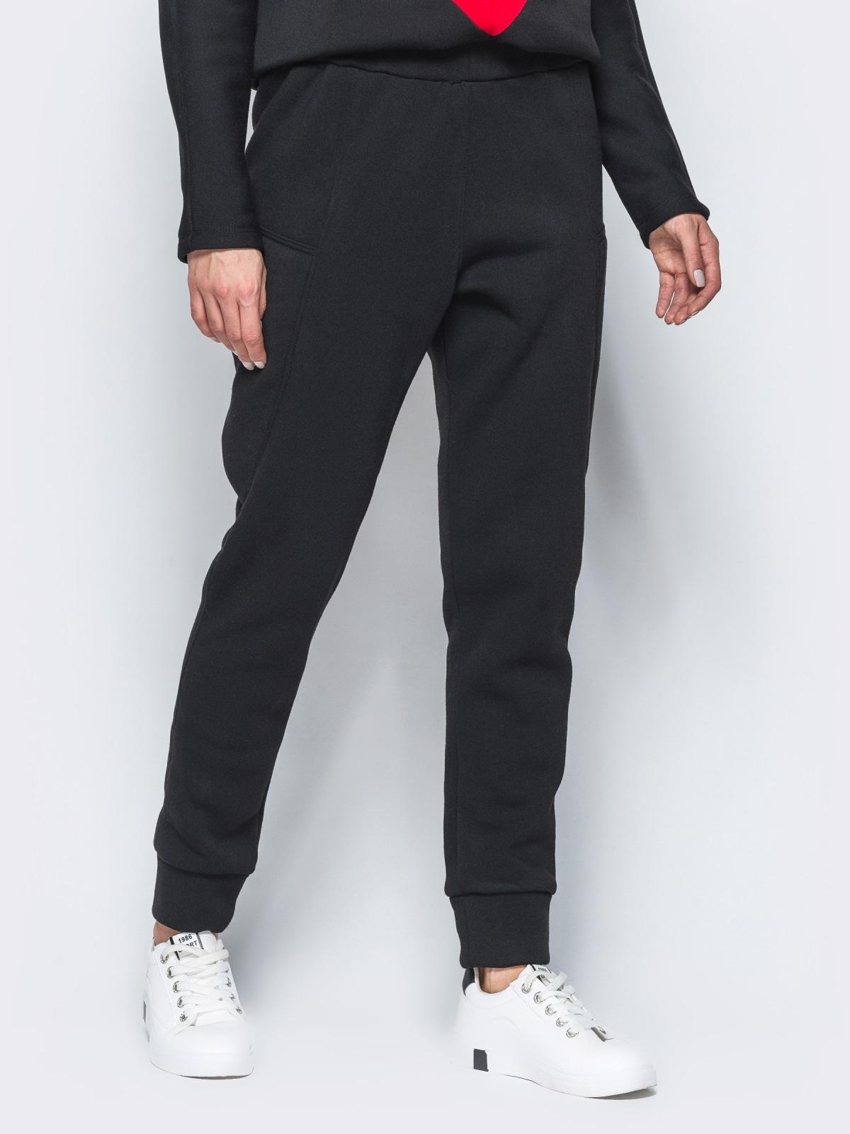 Спортивные штаны черного цвета на флисе - 17371, фото 1 – интернет-магазин Dressa