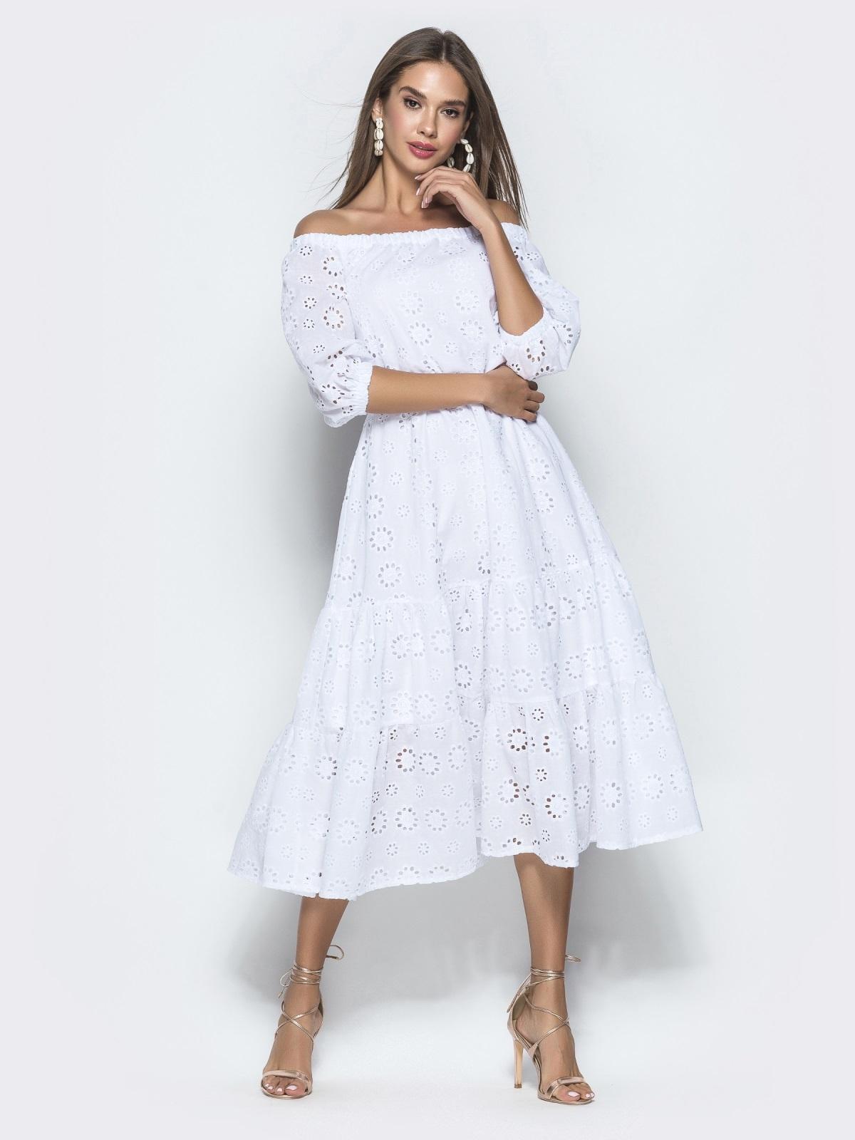 Платье-макси из прошвы с вырезом и манжетами на резинке белое - 40132, фото 1 – интернет-магазин Dressa