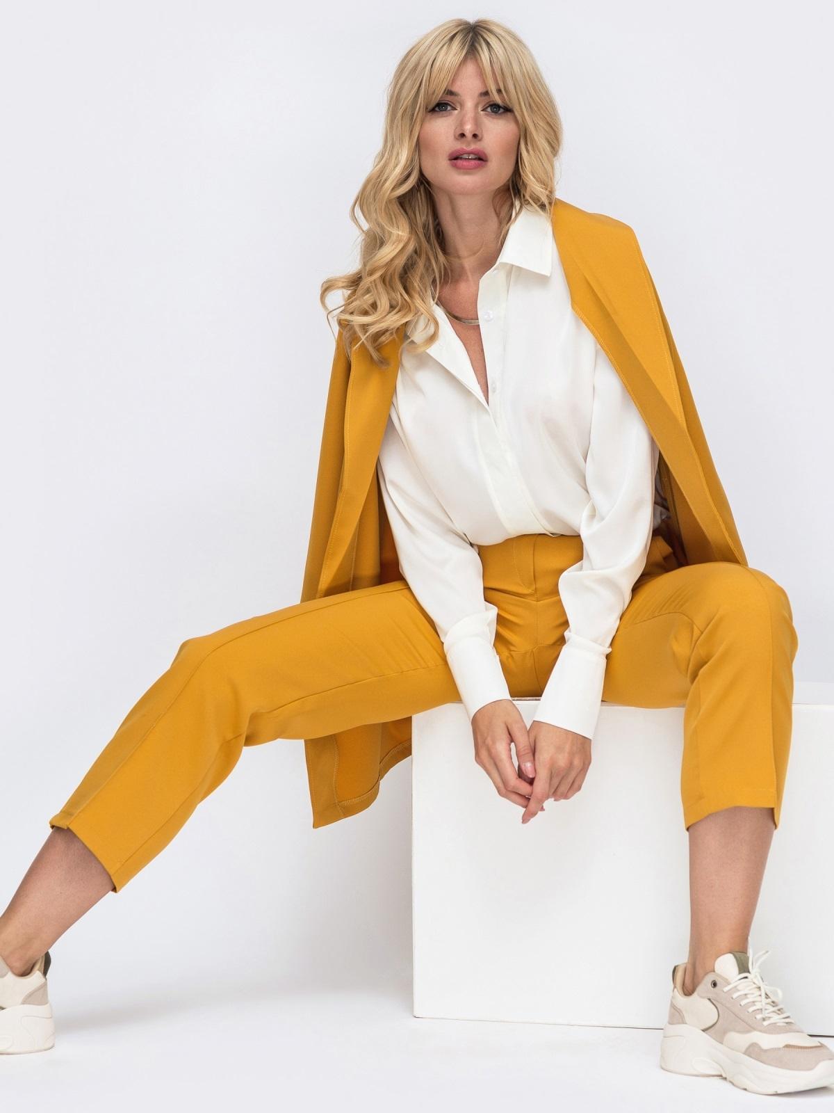 Желтый комплект с укороченными брюками и жакетом на запах 50468, фото 1