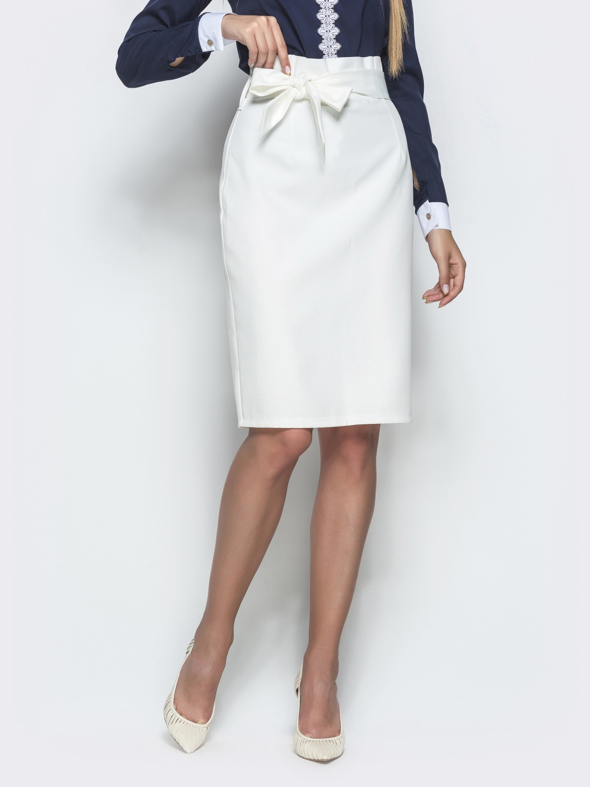 Белая юбка-карандаш с оборкой по талии - 39772, фото 1 – интернет-магазин Dressa