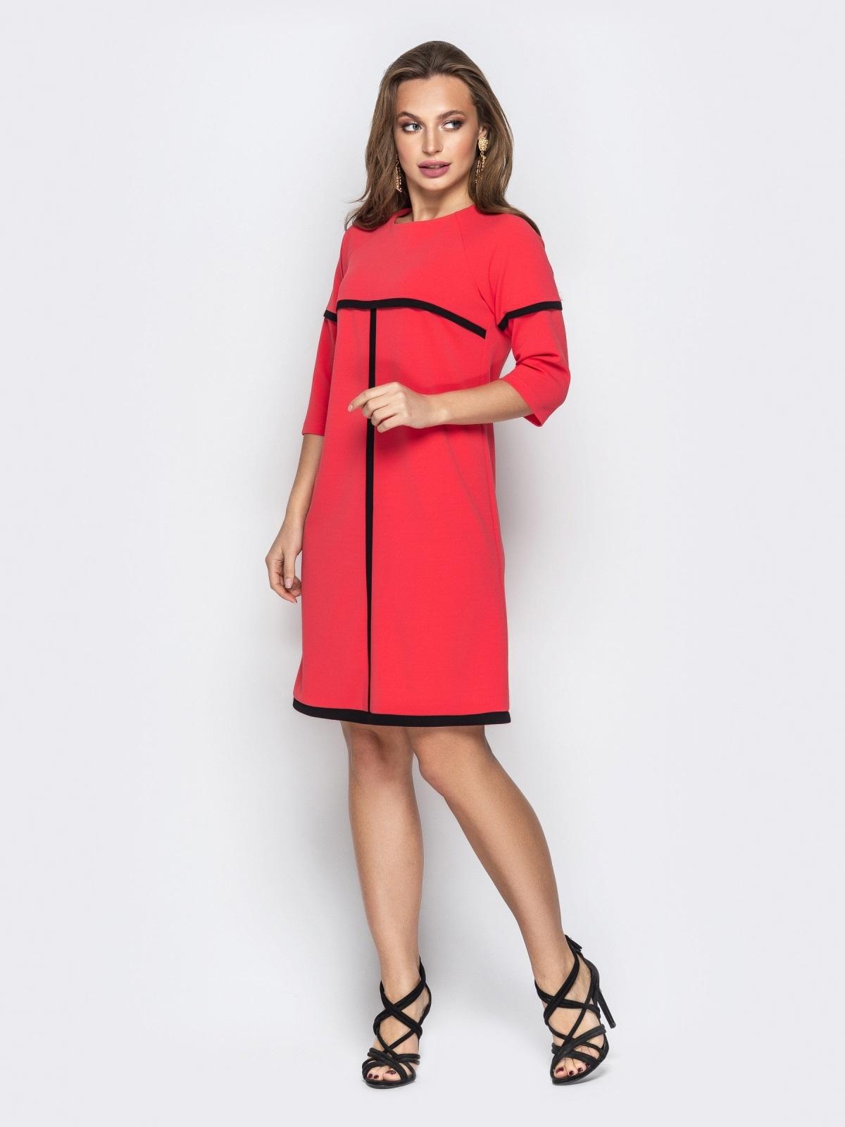 Коралловое платье-трапеция из креп-дайвинга со вставками - 21014, фото 1 – интернет-магазин Dressa