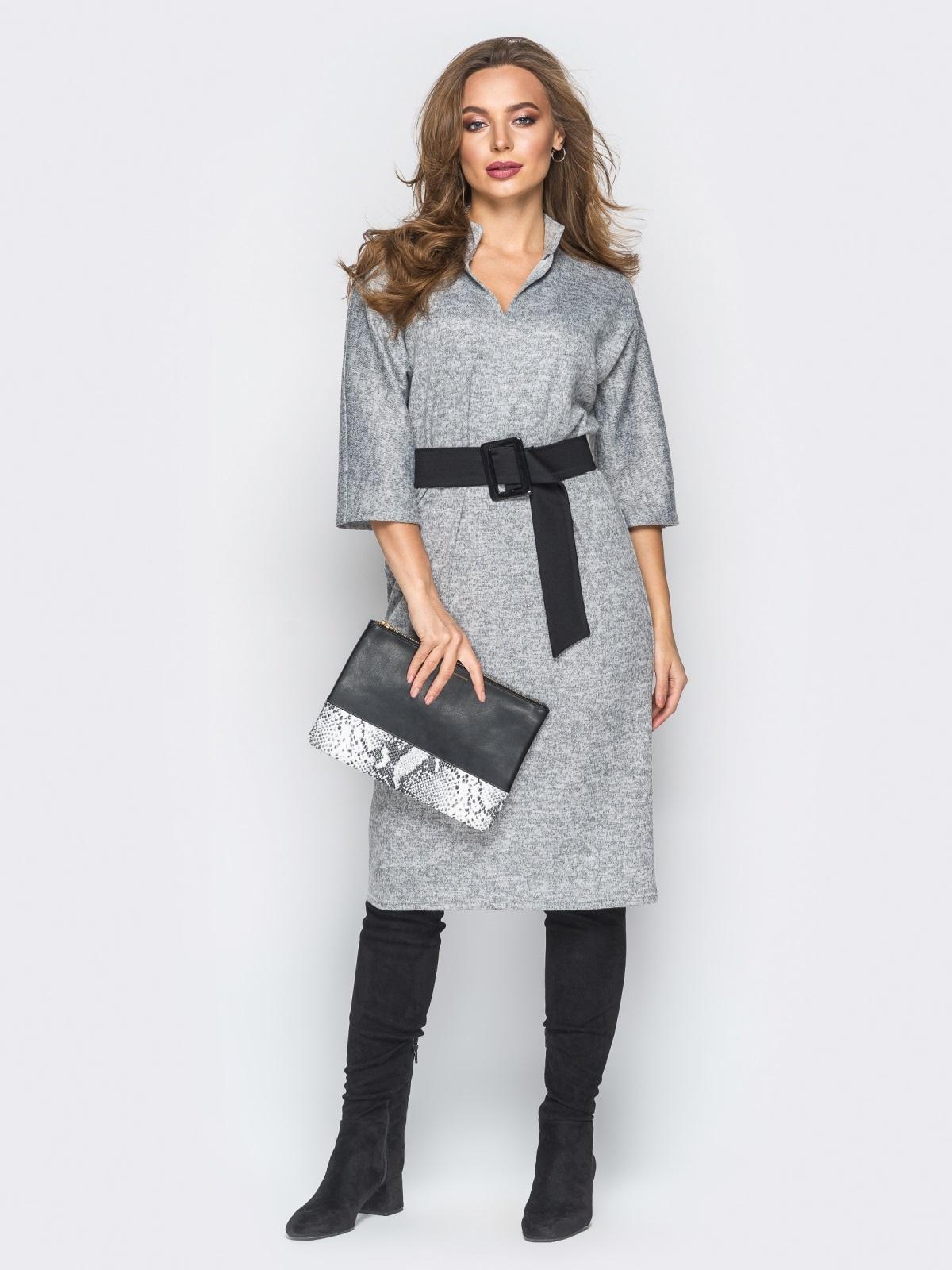 Платье серого цвета из ангоры с поясом - 18343, фото 1 – интернет-магазин Dressa