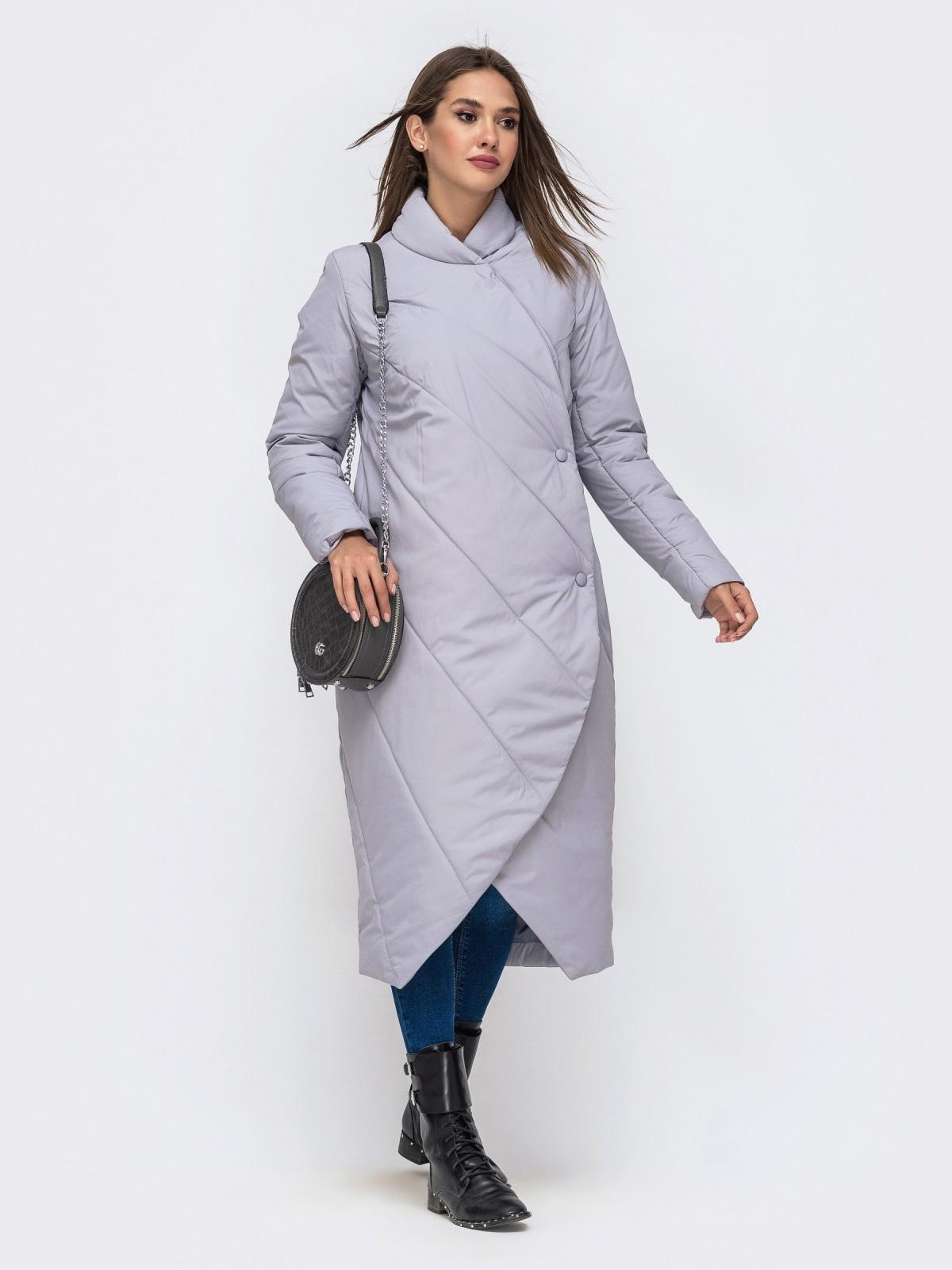 Демисезонная куртка серого цвета на кнопках - 41706, фото 1 – интернет-магазин Dressa