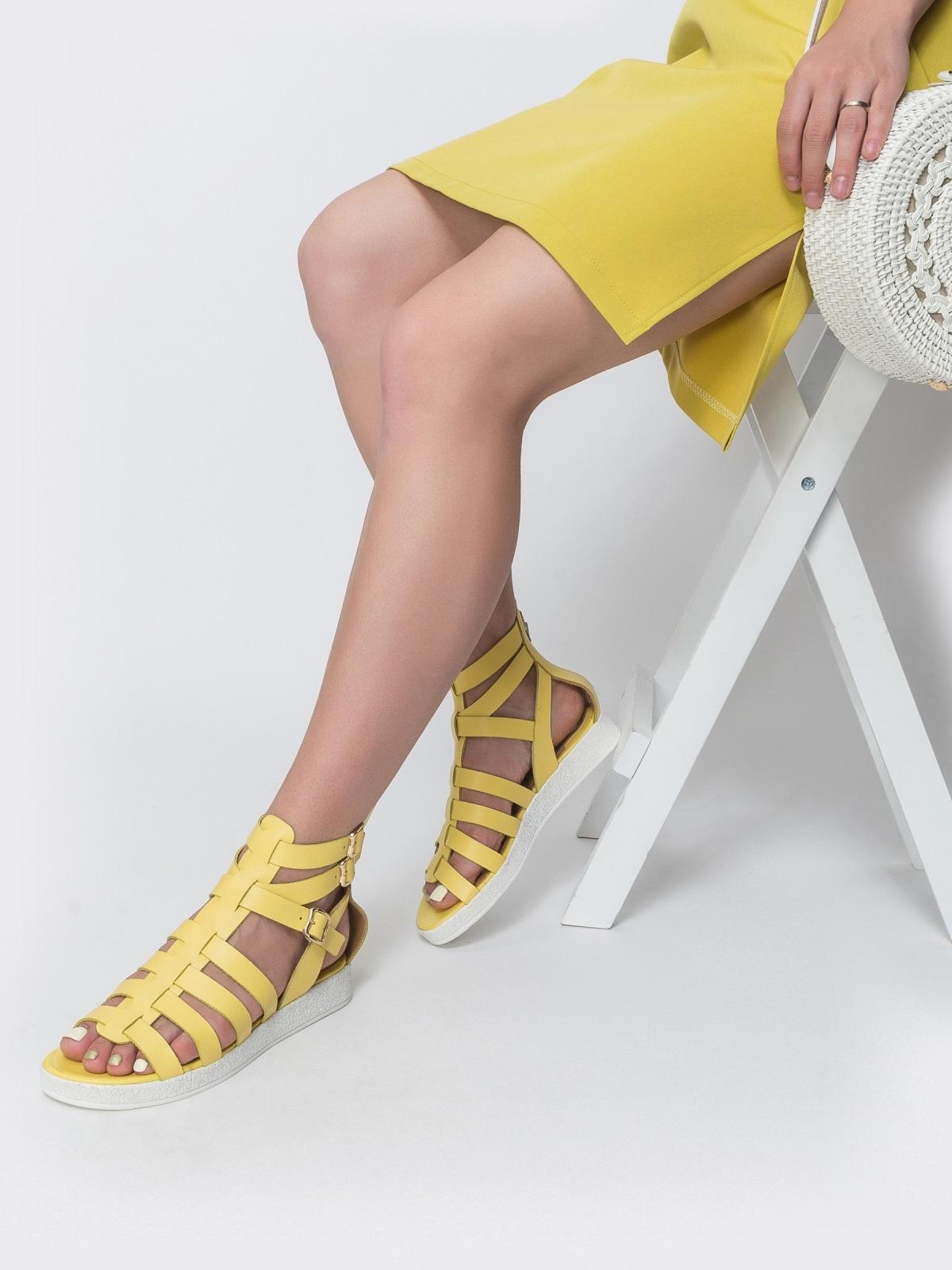 Кожаные сандалии желтого цвета - 40134, фото 1 – интернет-магазин Dressa