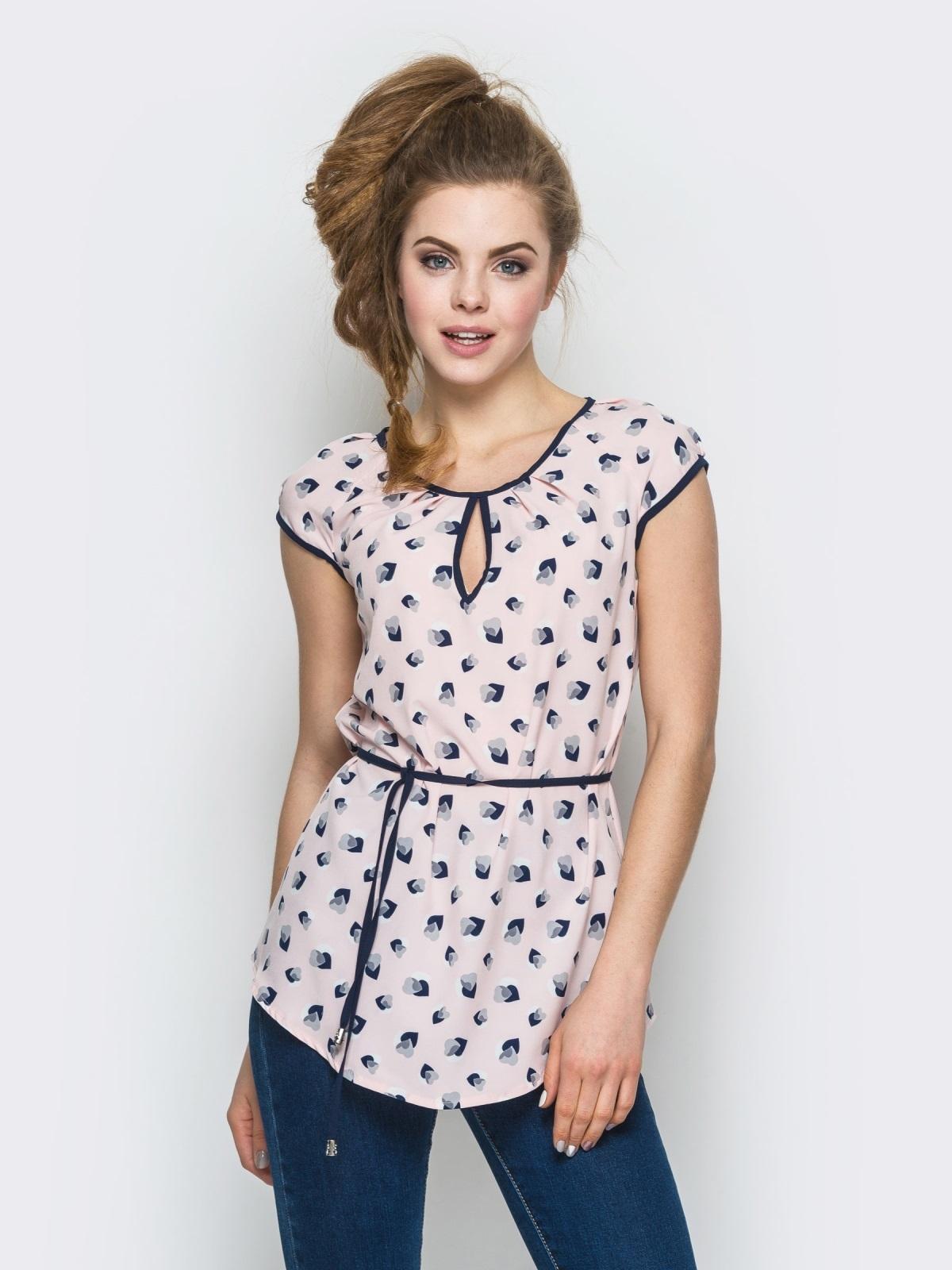 Розовая принтованная блузка с контрастной окантовкой - 12323, фото 1 – интернет-магазин Dressa