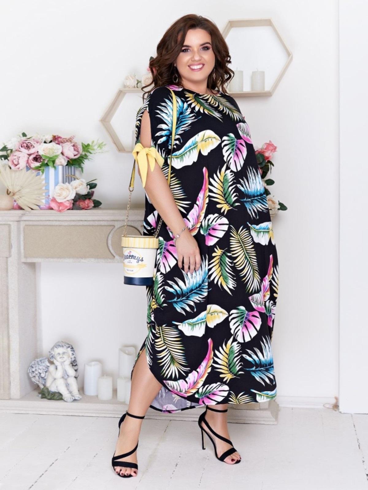Платье батал с принтом и разрезами по бокам чёрное - 48096, фото 1 – интернет-магазин Dressa