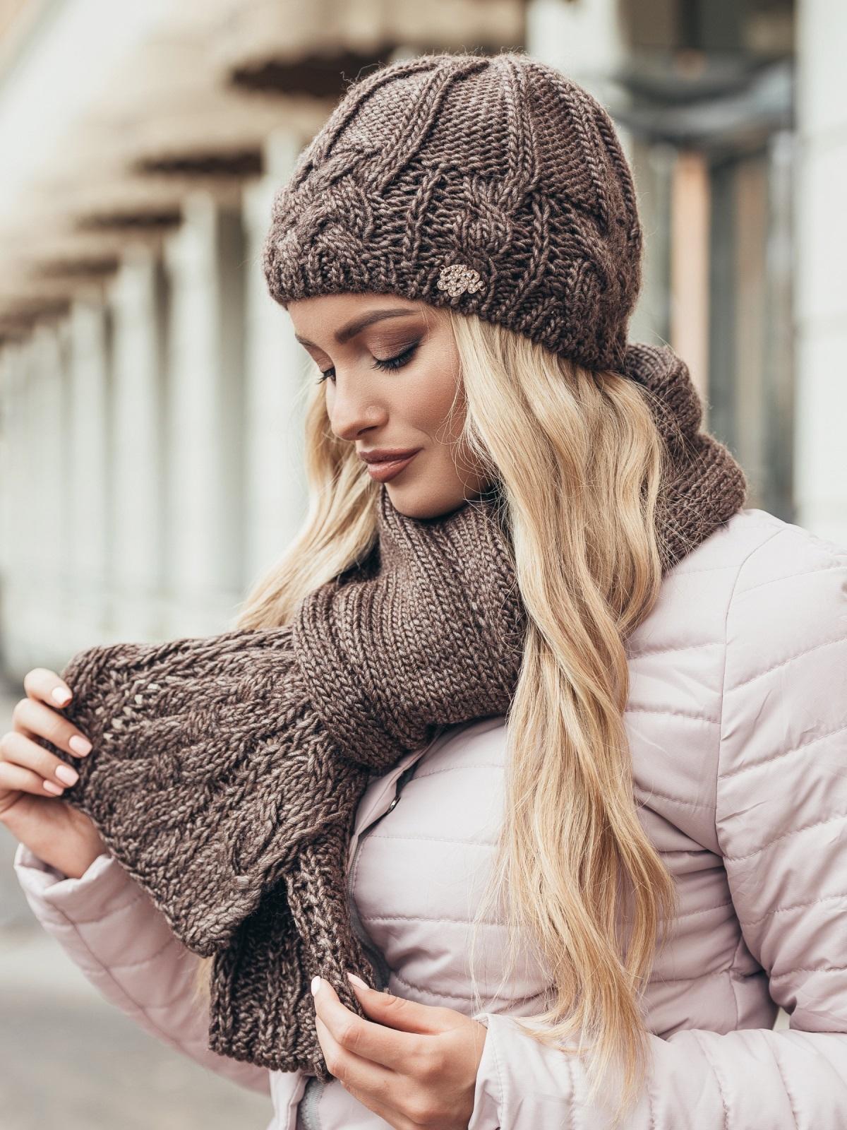 Коричневый комплект крупной вязки с «косами» - 15560, фото 2 – интернет-магазин Dressa