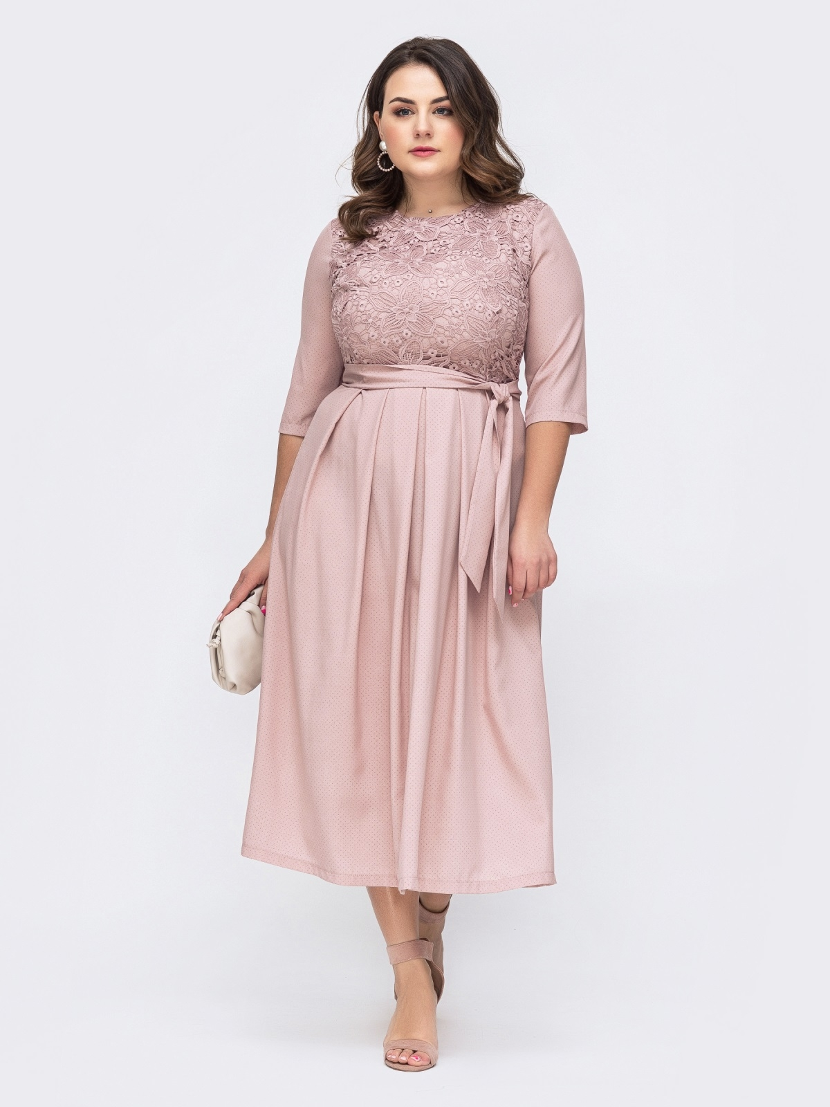 Пудровое платье батал с расклешенной юбкой 46442, фото 1