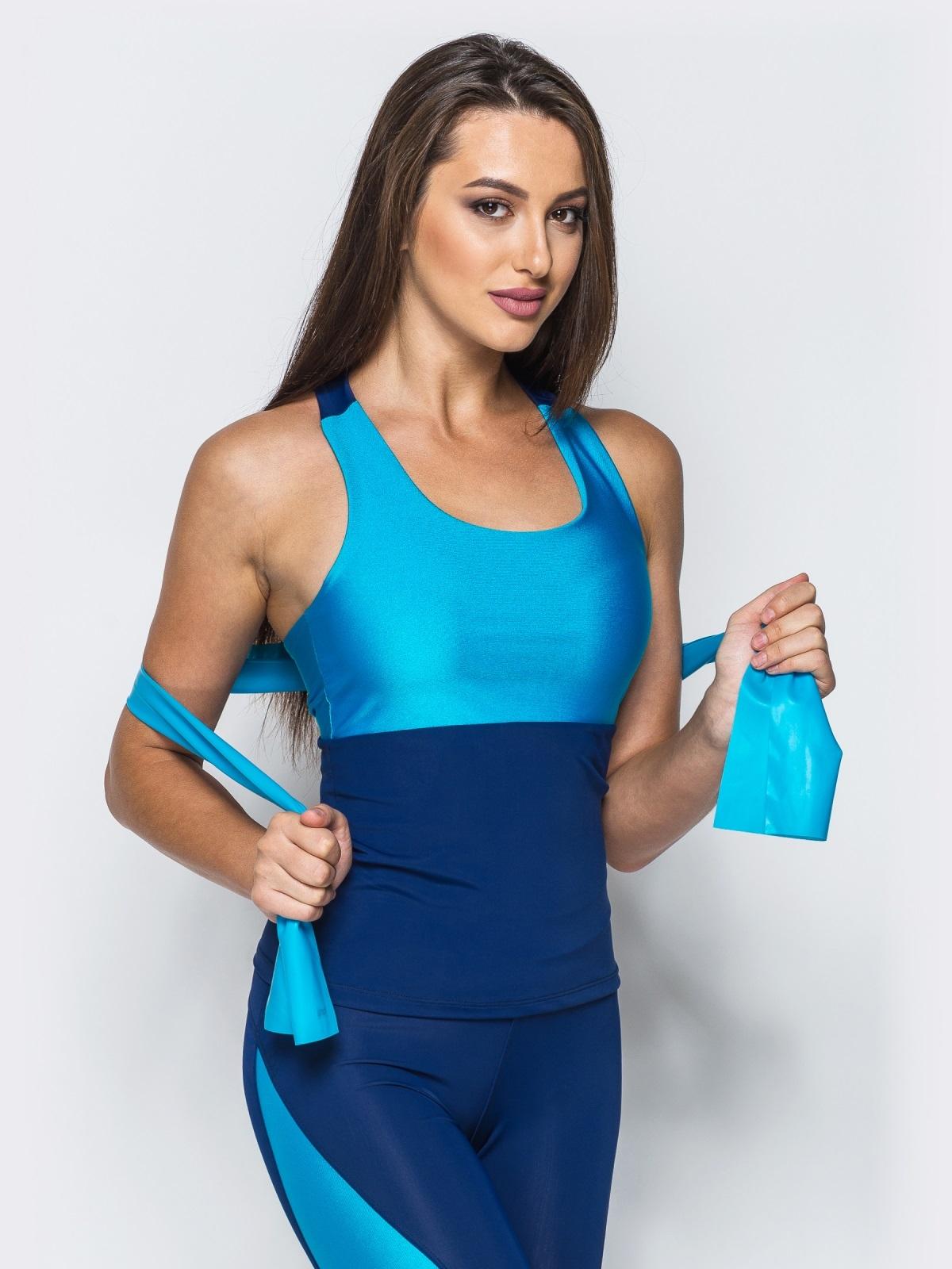 Майка сине-голубого цвета с фигурным вырезом на спинке - 17202, фото 1 – интернет-магазин Dressa