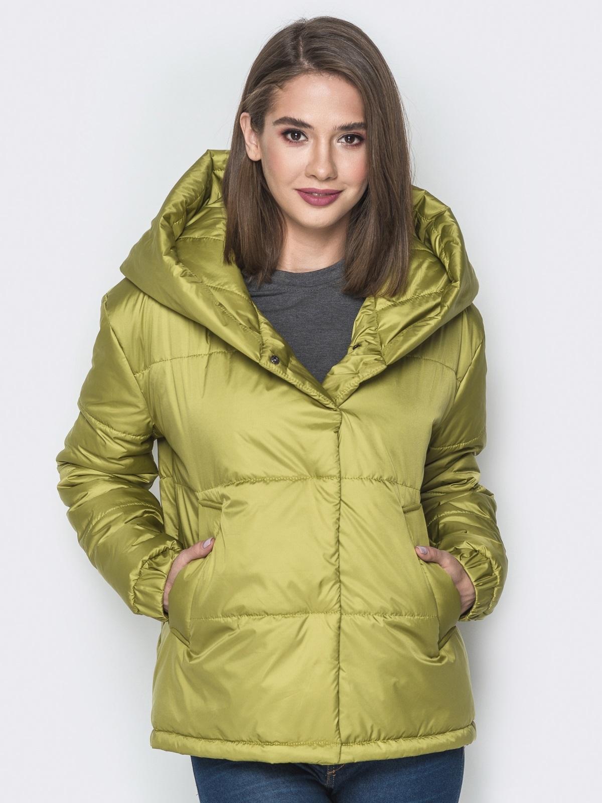 Короткая куртка со вшитым капюшоном зелёная - 20086, фото 1 – интернет-магазин Dressa