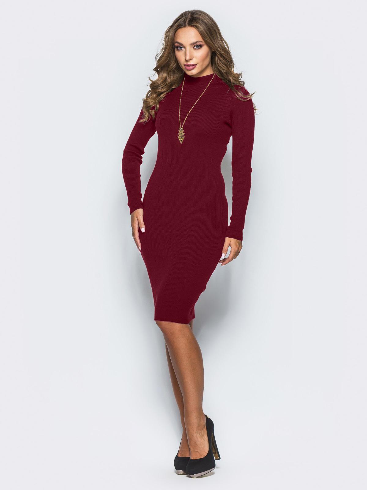 259b3dd5a08c Бордовое трикотажное платье в рубчик с длинными рукавами - 15918, фото 1 –  интернет-