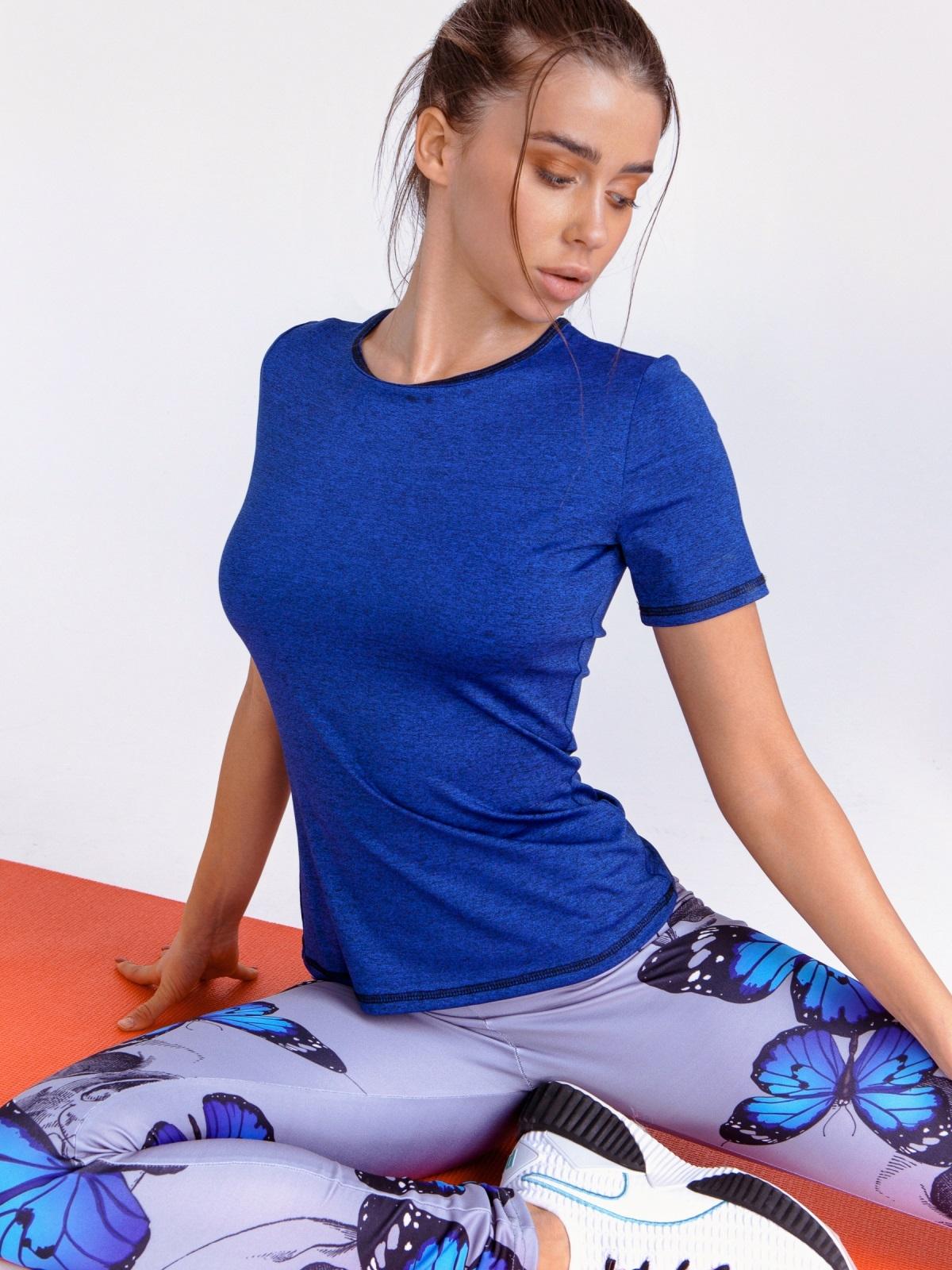 Спортивная футболка из трикотажа синяя - 44650, фото 1 – интернет-магазин Dressa