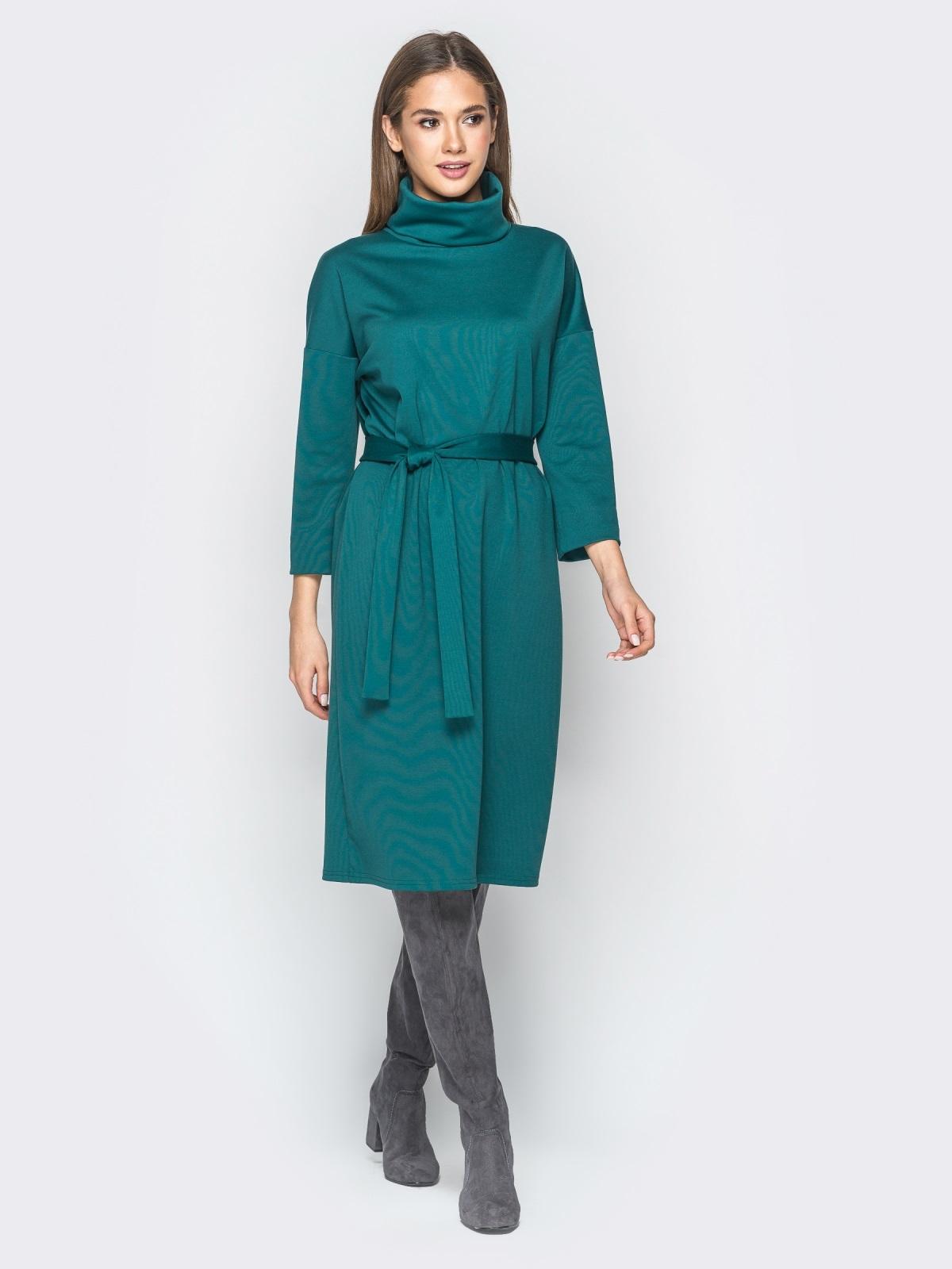 Платье из французского трикотажа с воротником-хомут зелёное - 18276, фото 1 – интернет-магазин Dressa