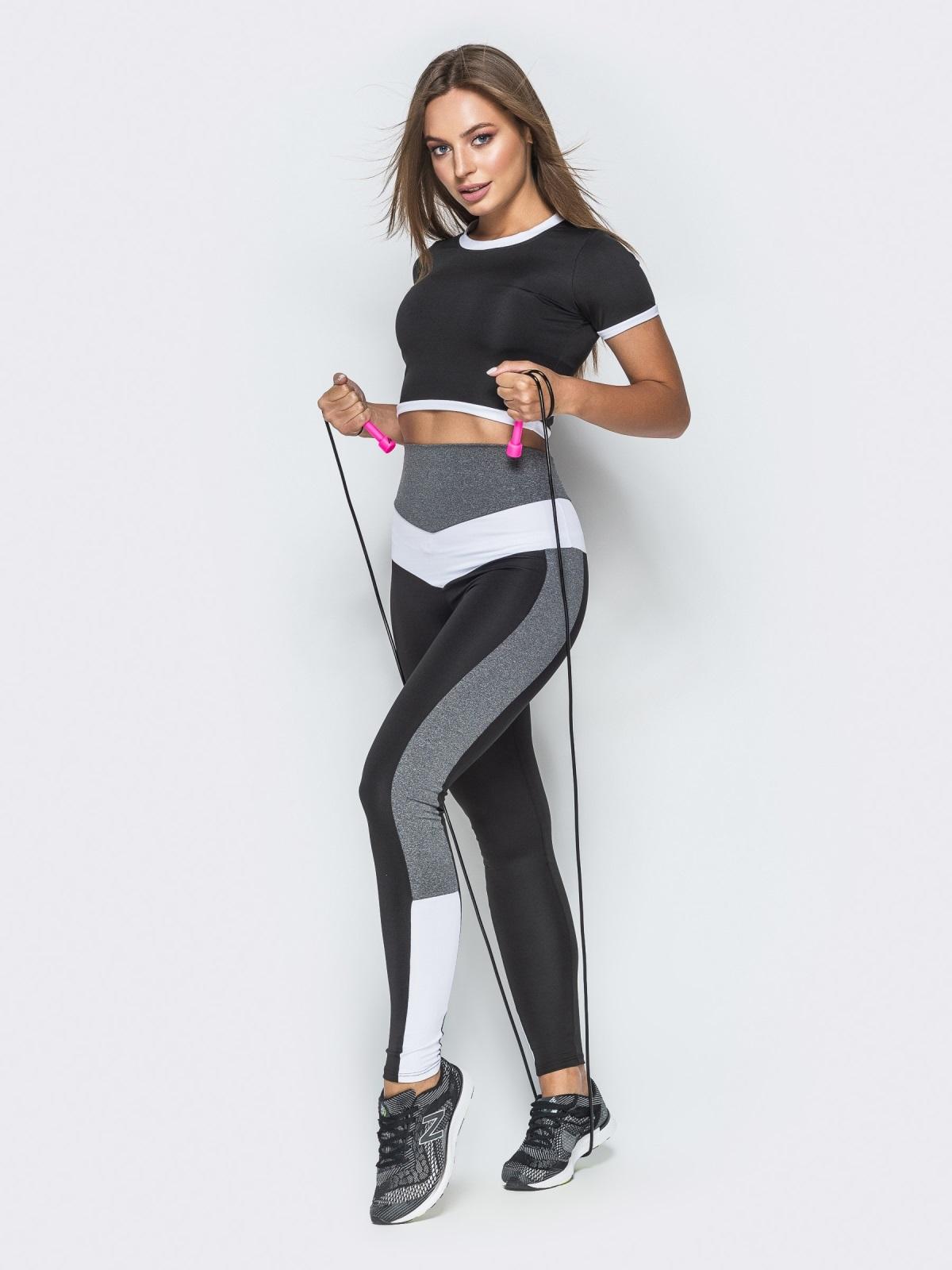 Чёрный комплект для фитнеса из лосин и топа со вставками - 38778, фото 1 – интернет-магазин Dressa