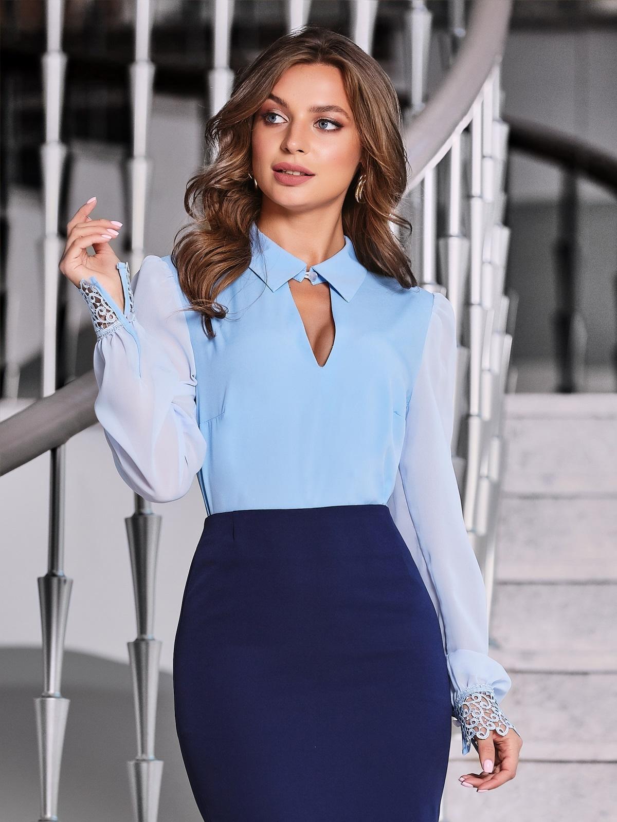 """Голубая блузка с вырезом """"замочная скважина"""" - 40070, фото 1 – интернет-магазин Dressa"""