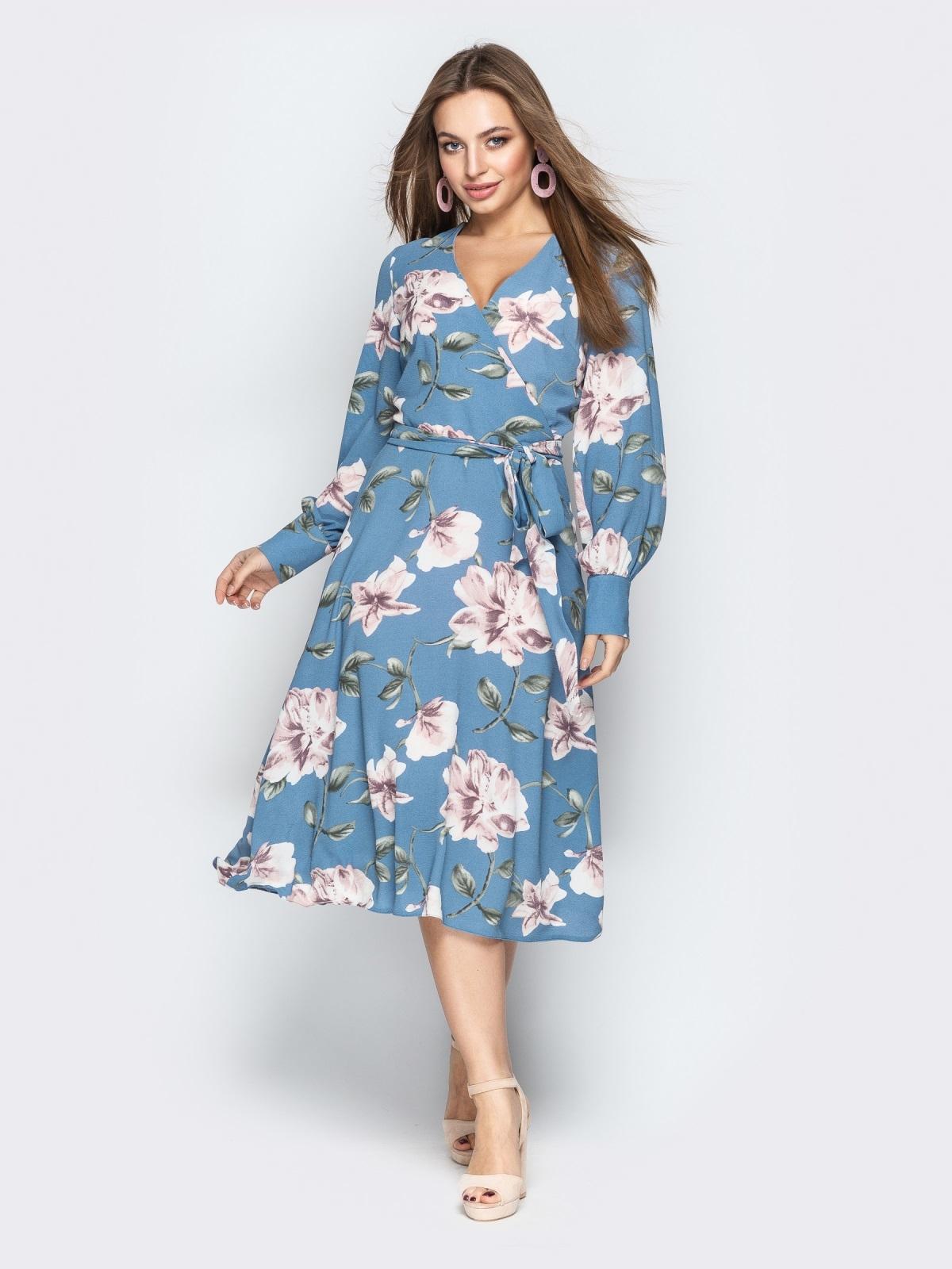 Голубое платье на запах с принтом - 21093, фото 1 – интернет-магазин Dressa