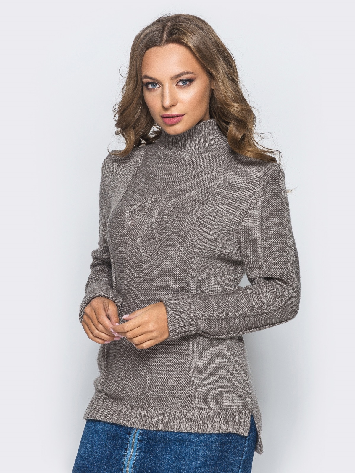 Вязаный свитер коричневого цвета с высоким воротником - 17083, фото 1 – интернет-магазин Dressa