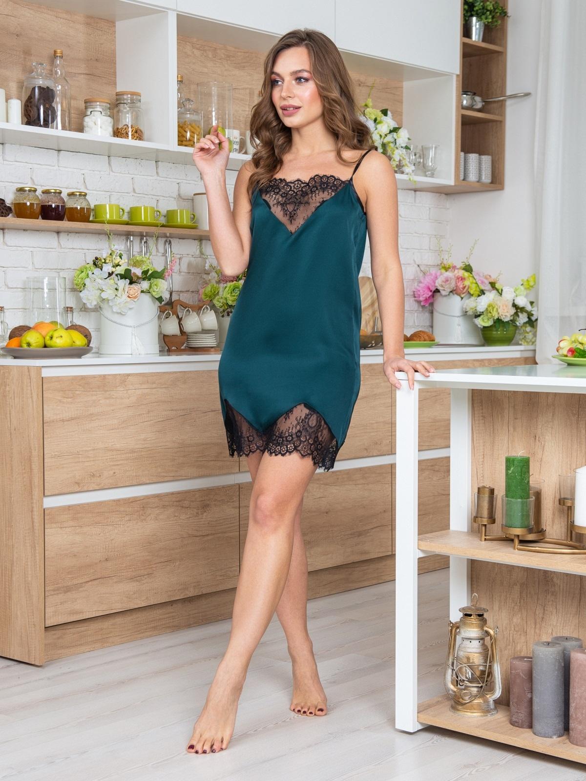 Зелёная сорочка с кружевом на полочке и по низу - 20483, фото 1 – интернет-магазин Dressa