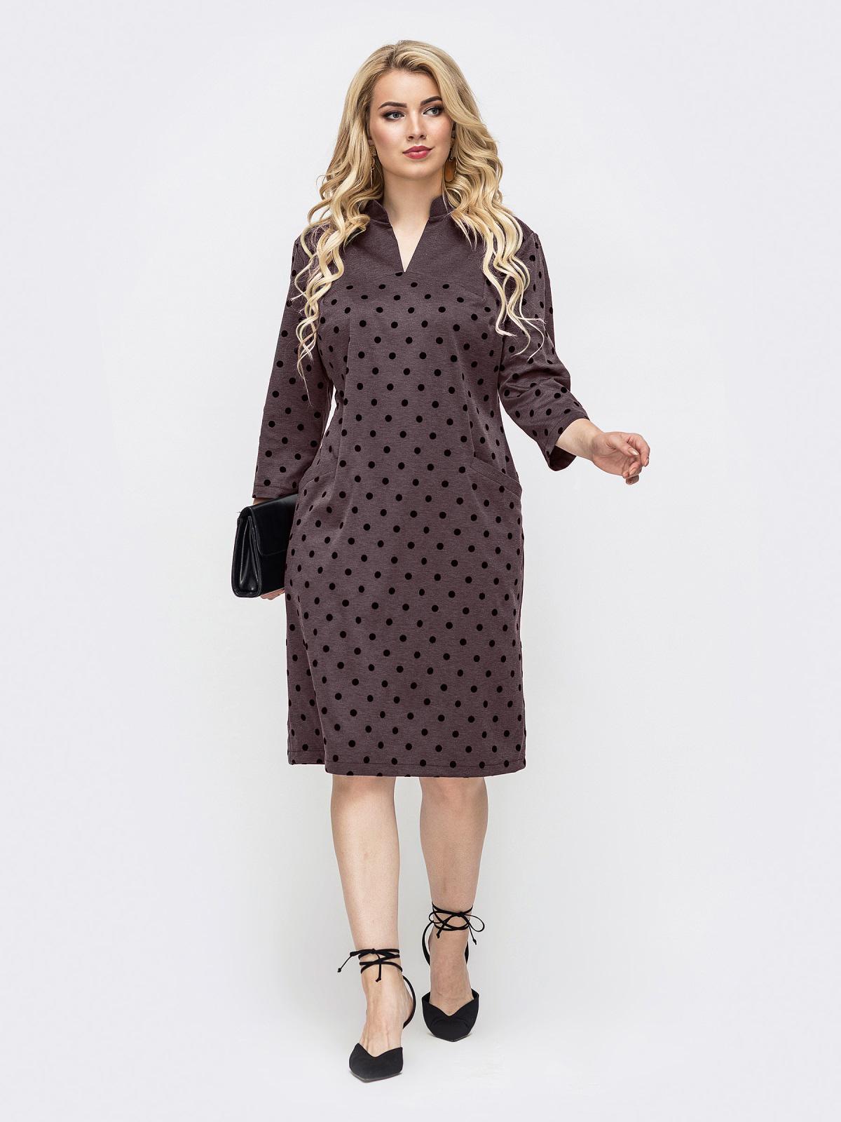 Приталенное платье батал коричневого цвета в горох 51196, фото 1