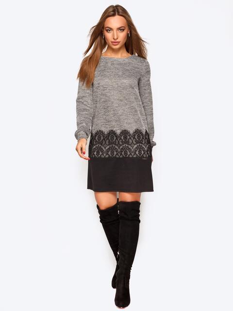 Трикотажное платье серого цвета с кружевом - 17444, фото 1 – интернет-магазин Dressa