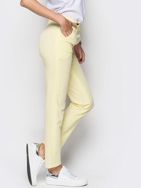 Желтые брюки из костюмной ткани с карманами на полочке - 12777, фото 1 – интернет-магазин Dressa